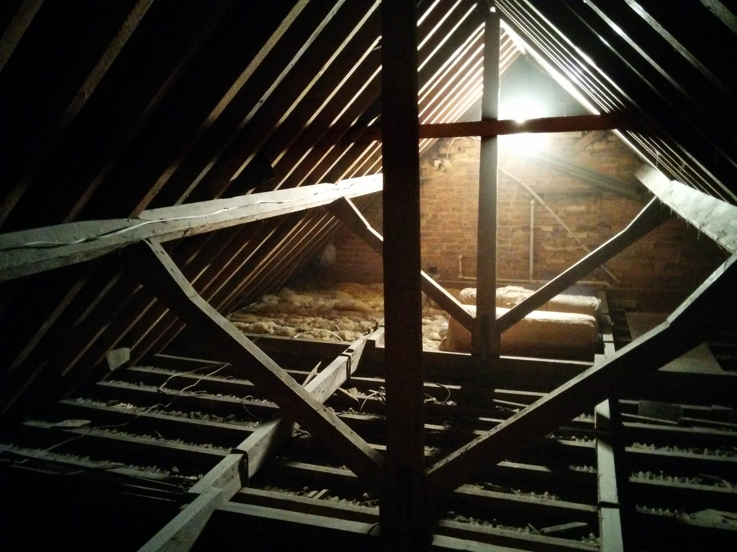 And this is the roof space. If it looks clean, believe me it was not. 100 years of plaster dust and squirrel droppings made for some unpleasant crawling about.