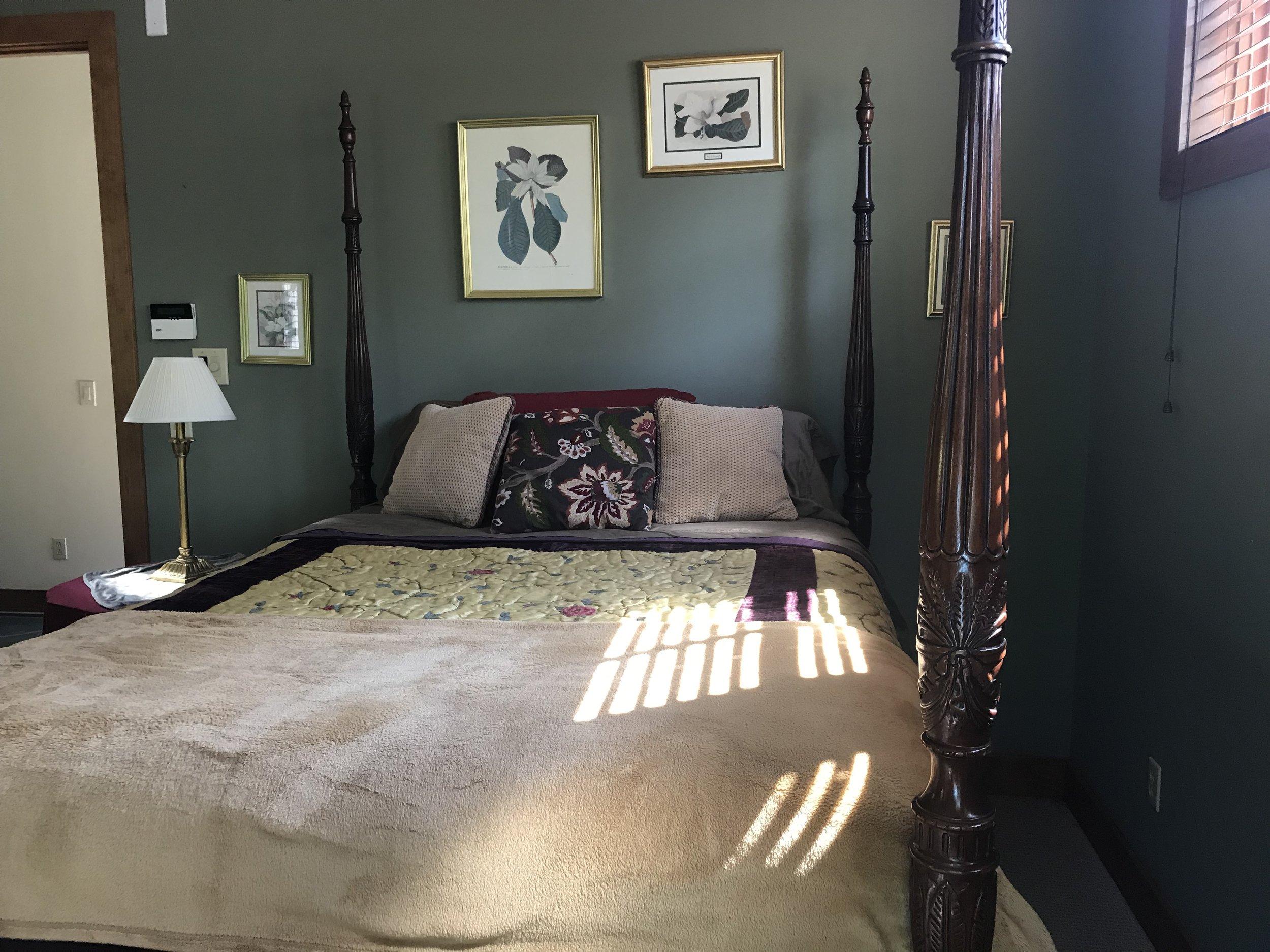 L L1 bed w light slats.JPG