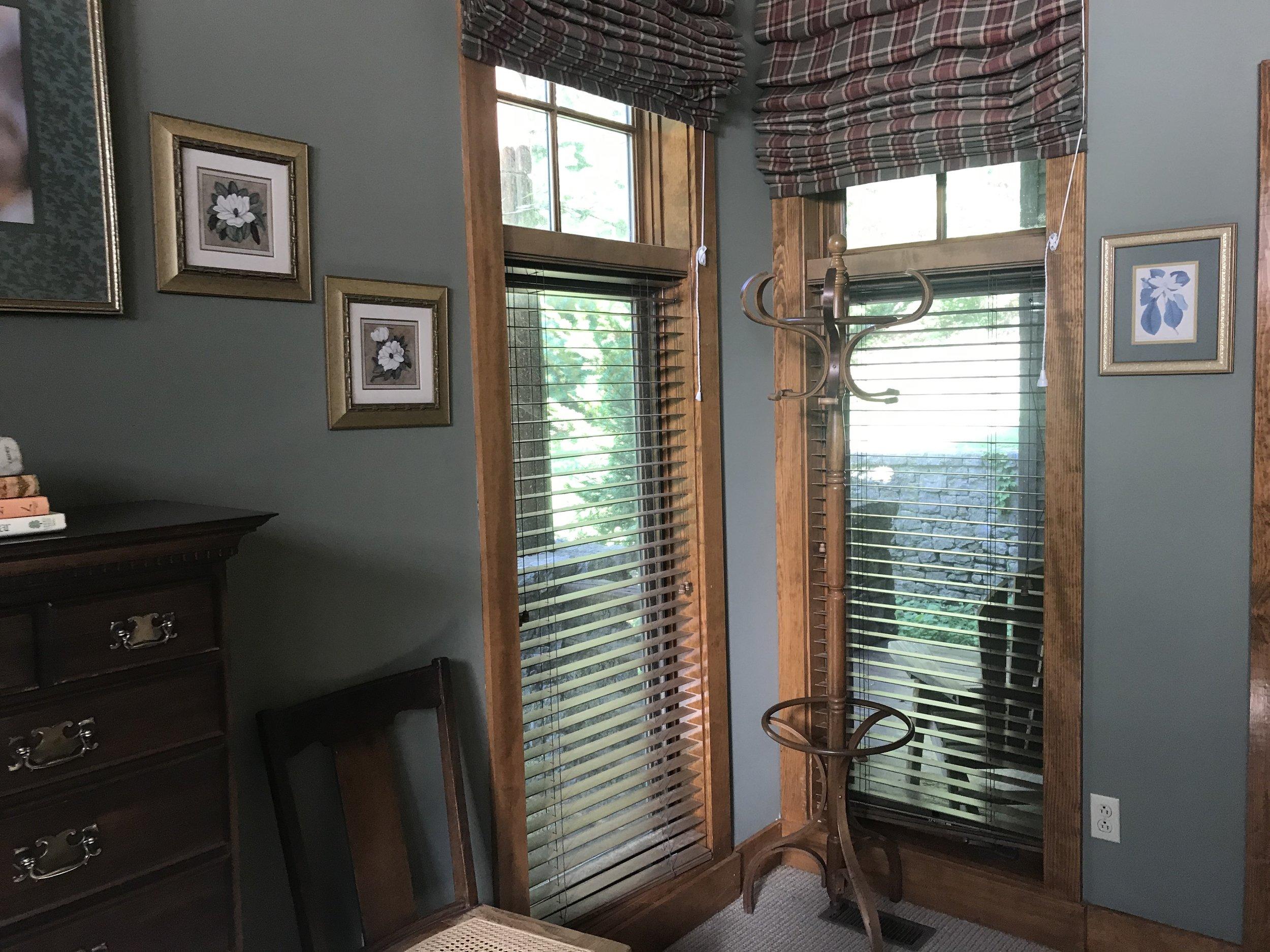 L L1 Corner windows.JPG
