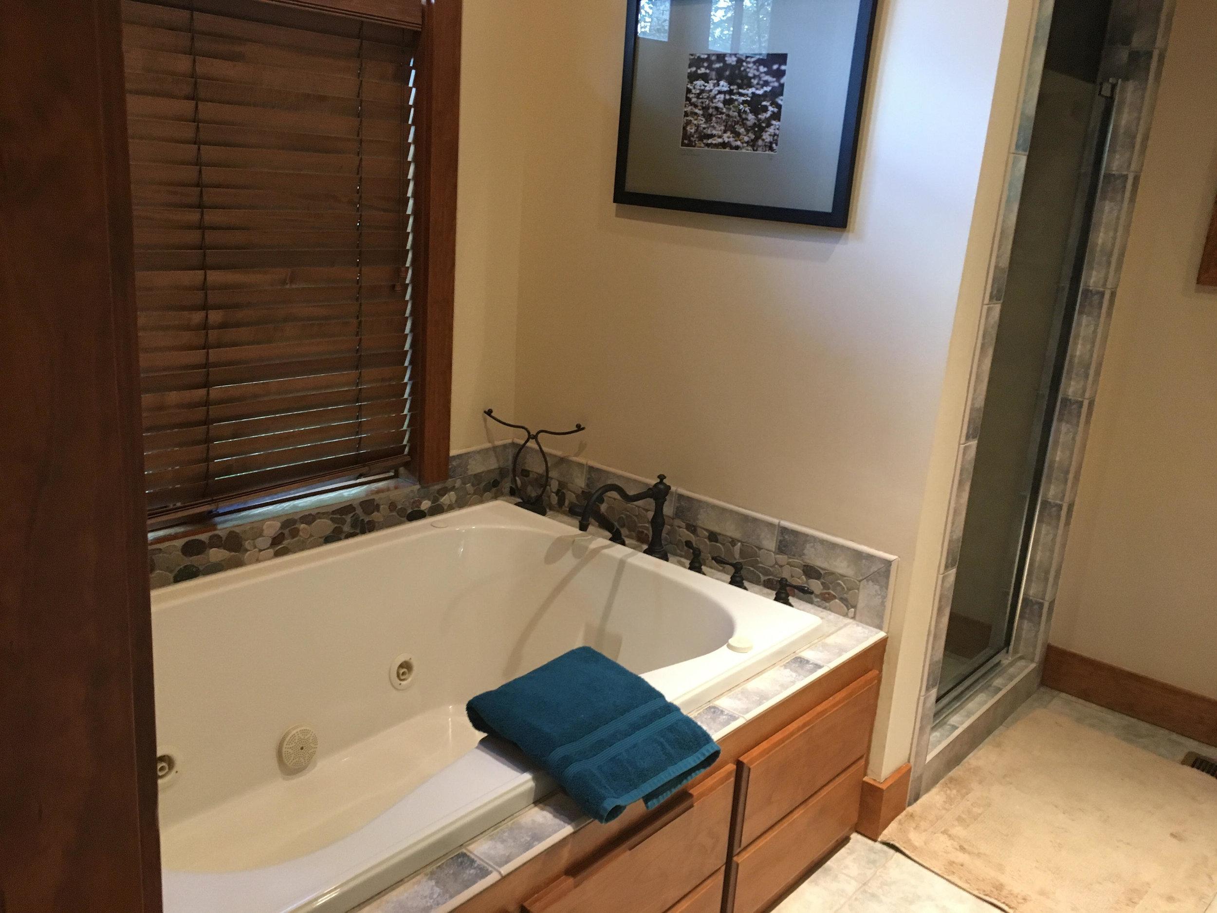 L Master bath.JPG