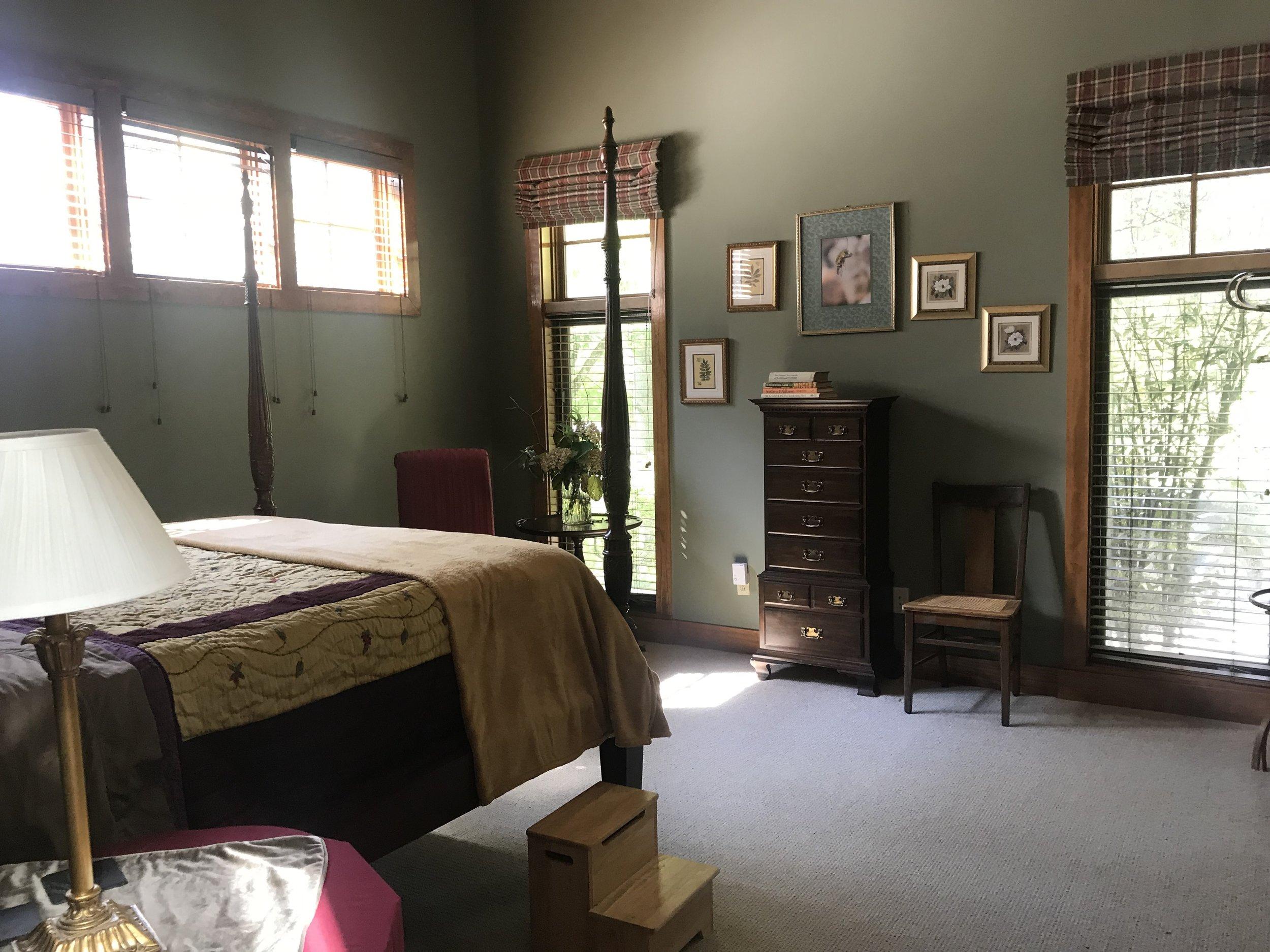 L Master bedroom.JPG