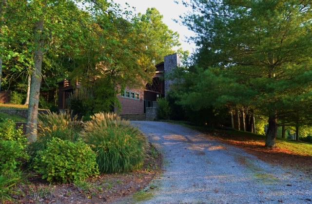 L P driveway up.JPG