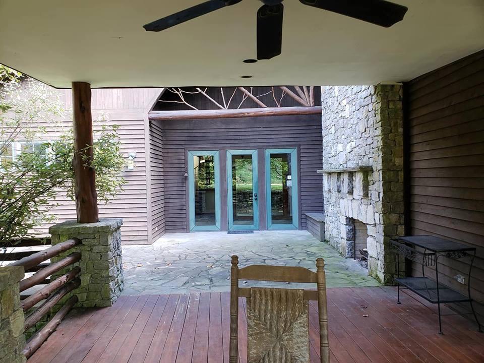 L porch patio view.JPG