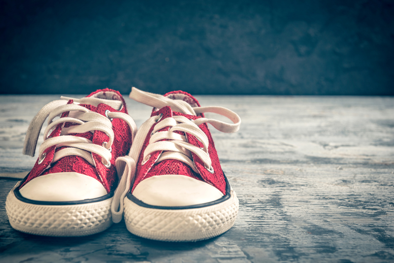 red_sneakers.jpg