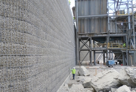 MSE Rock Filled Wire Face Retaining Wall