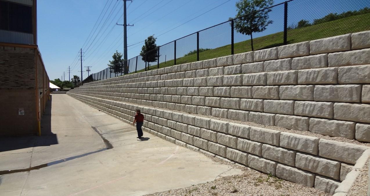 Pinnacle Design/Build Group, Inc.   Large Block Retaining Walls