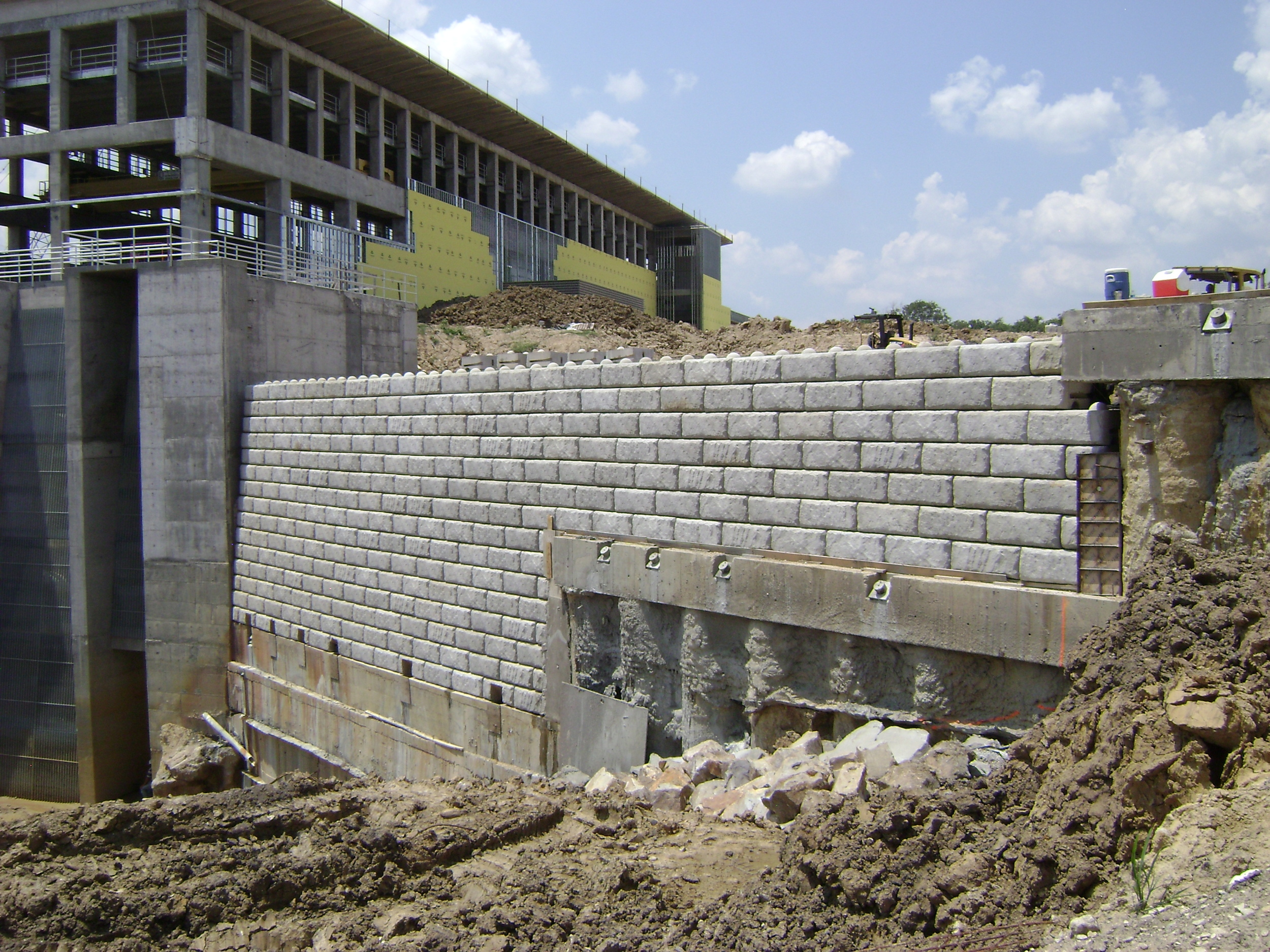 Pinnacle Design Build Group Inc Large Block Retaining Walls