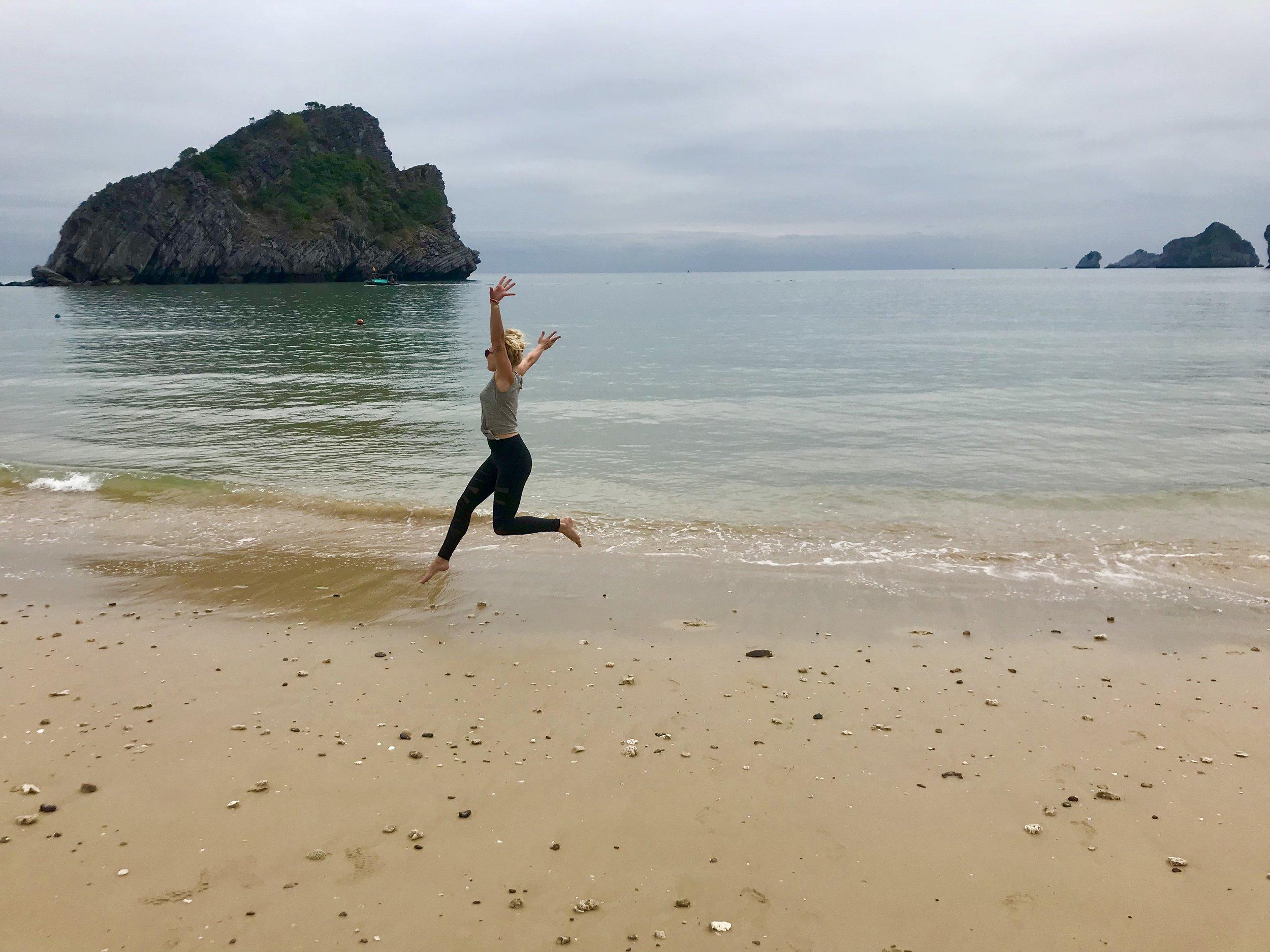 Vietnam - HanoiHoi AnCát Bà Island