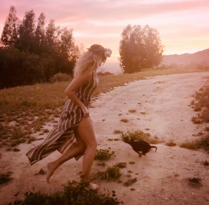 A wayfaring woman is one who is on the way...one who lives on the way. -