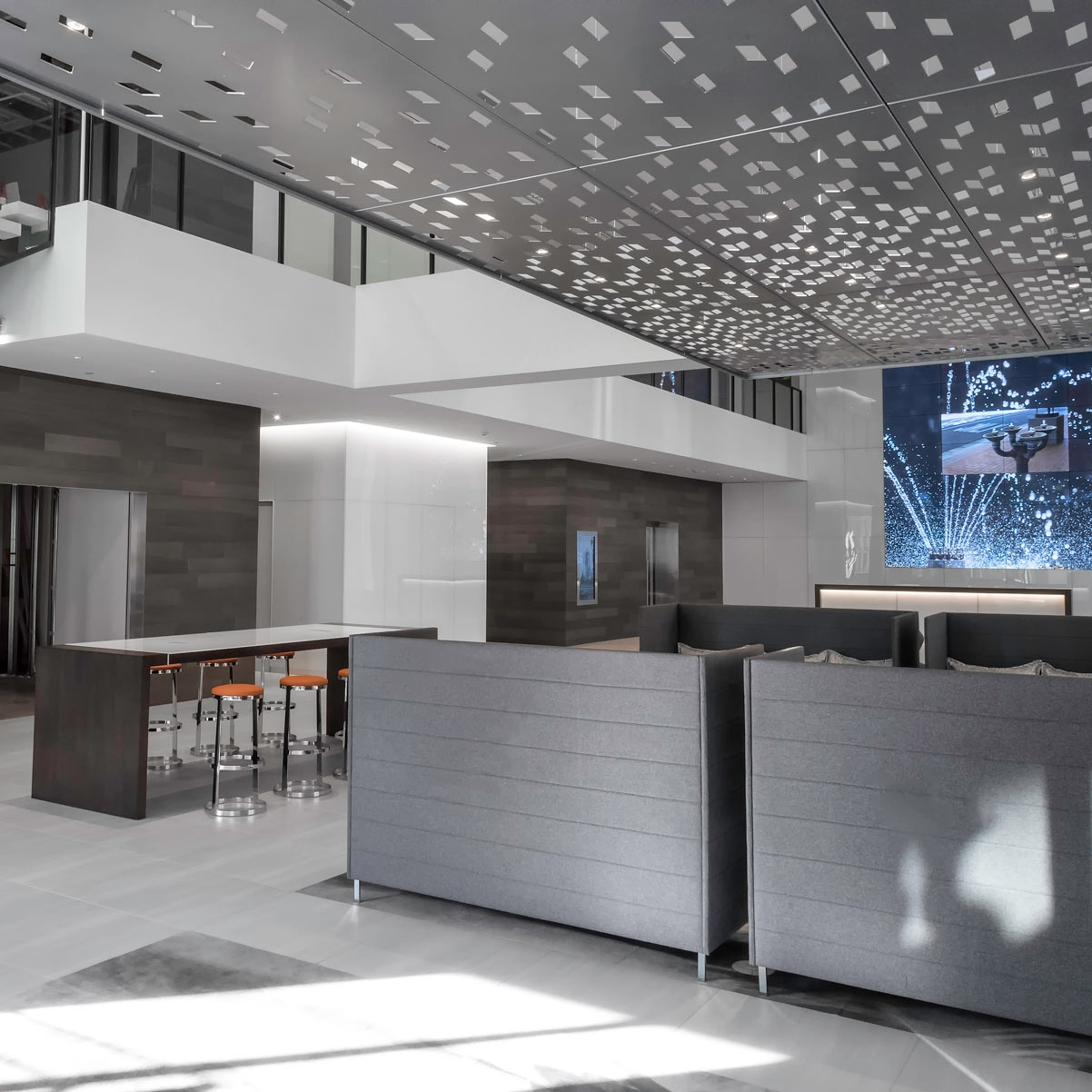 lobby10.jpg