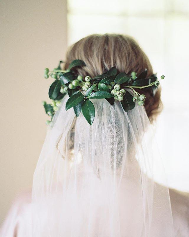 Sara's something borrowed & something blue {berry} 💙  Photography: @paigereauxphotography  Hair styling: @thejacqofalltradesbeauty