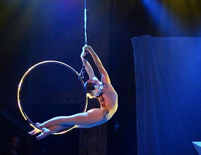 Get bendy today! Beautiful photo of @secretagentblaire ・・・ Lovely shot on the ledhoop by @psykorunner performing with kLL sMTH #usaerial