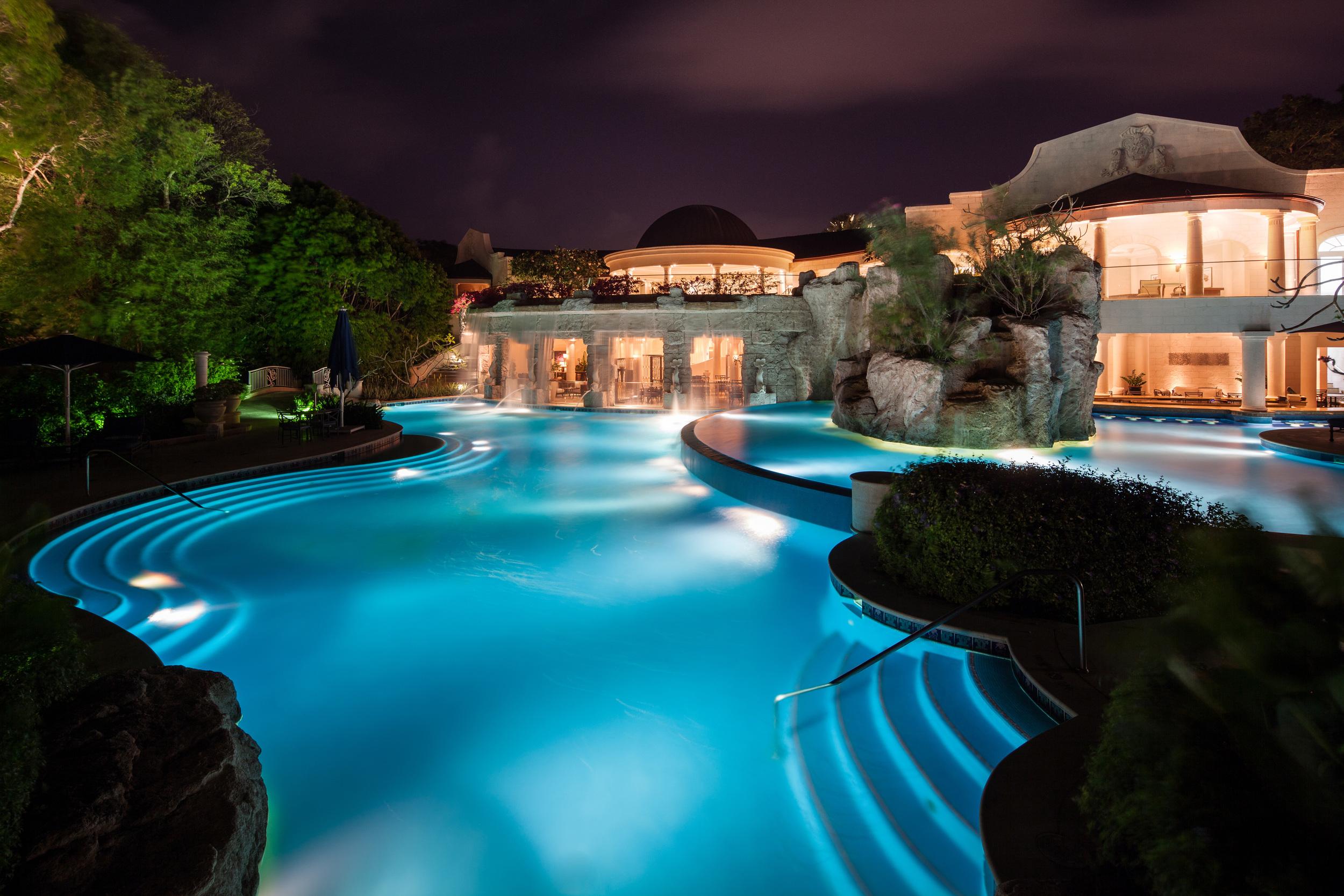 Spa Pool (Night).jpg