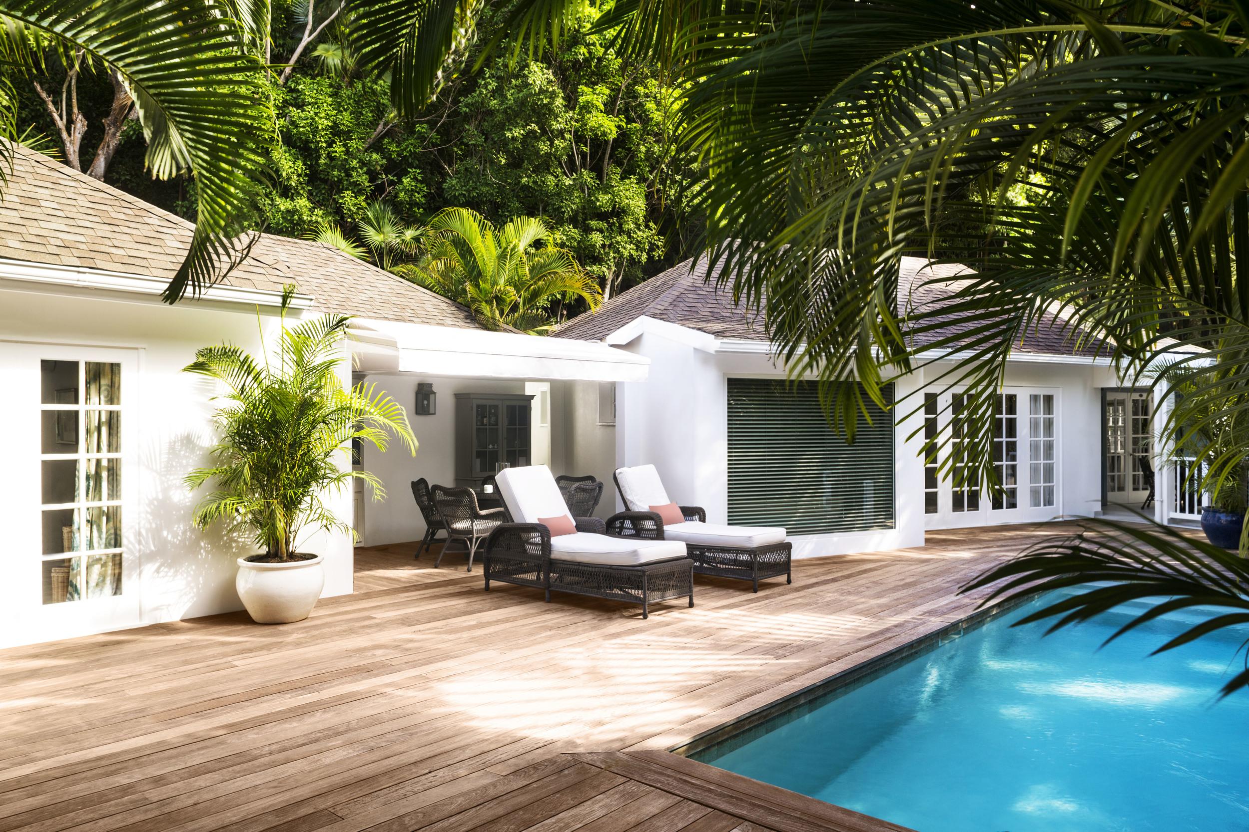20150825123407_02-08-2-bed-garden-suite-pool-s-candito[1].jpg