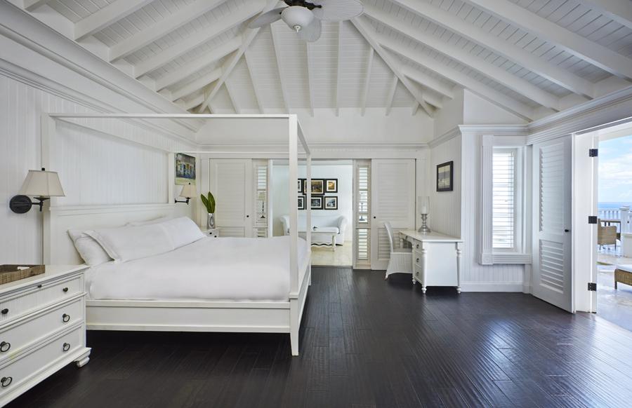 Superior Luxury Villa Bedroom 1.jpg
