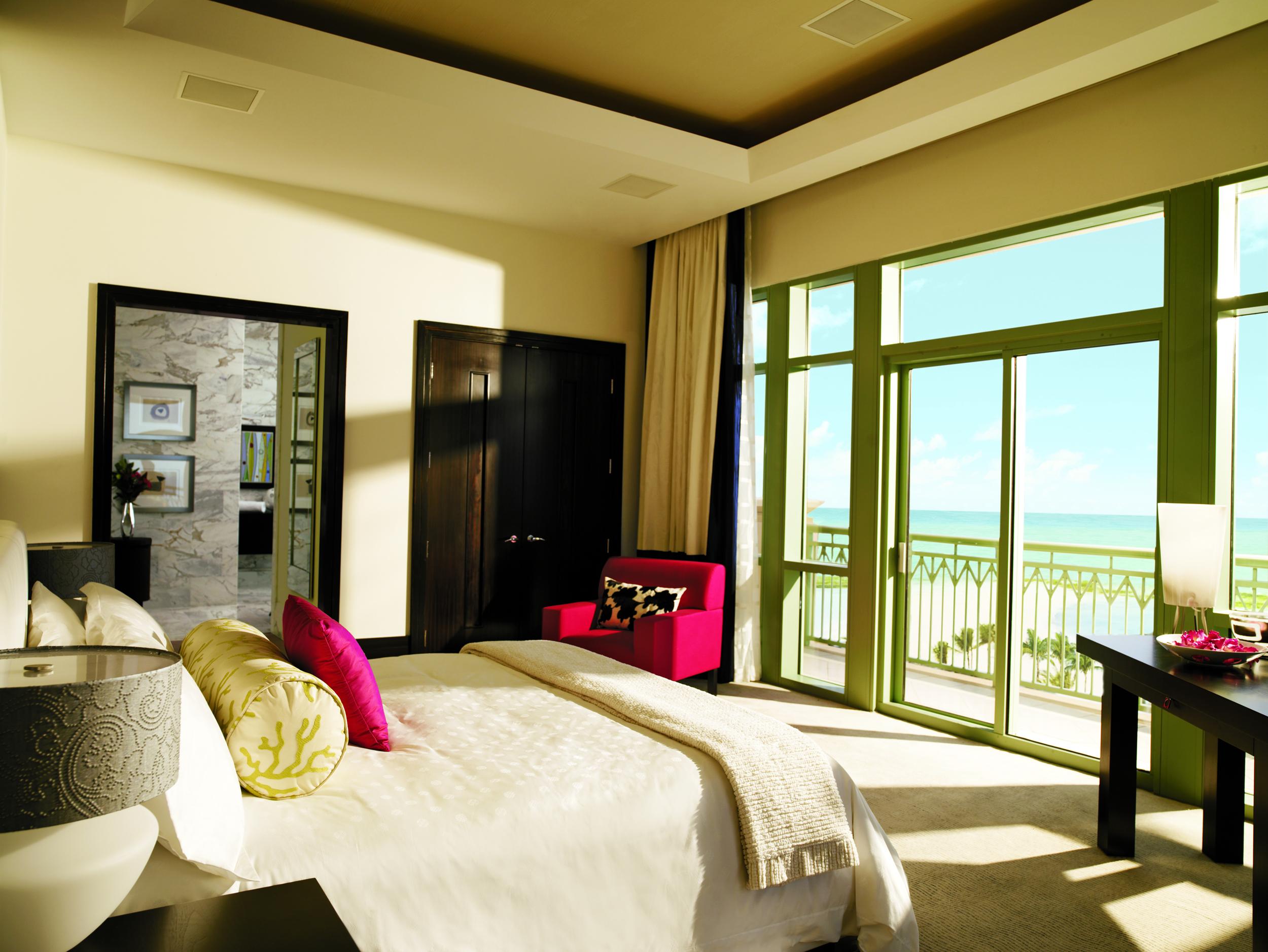 Penthouse_Suite_Bedroom_1237_standard.jpg