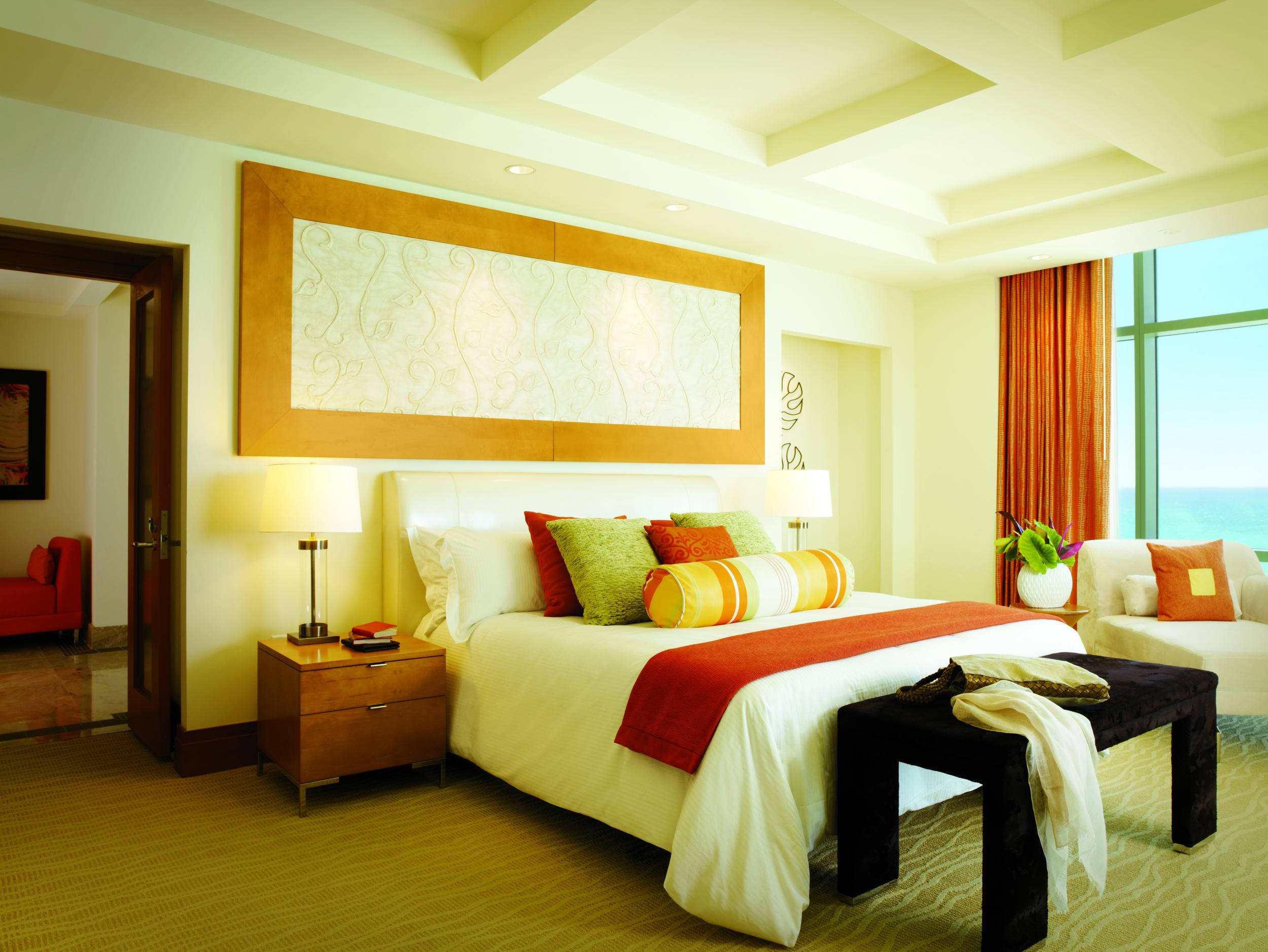 Sapphire_Suite_Bedroom_1204_standard.jpg