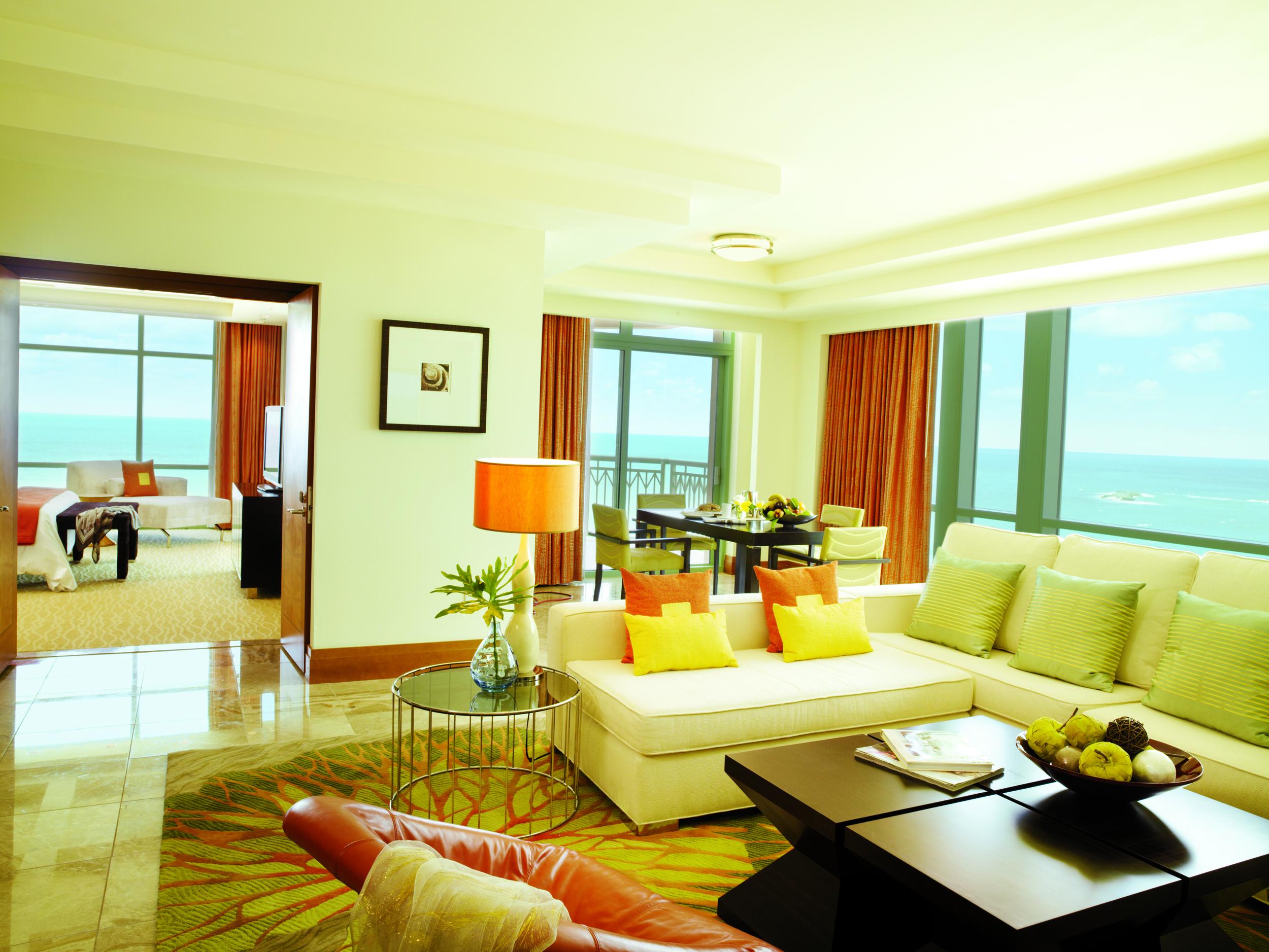 Sapphire_Suite_-_living_room_1619_standard.jpg