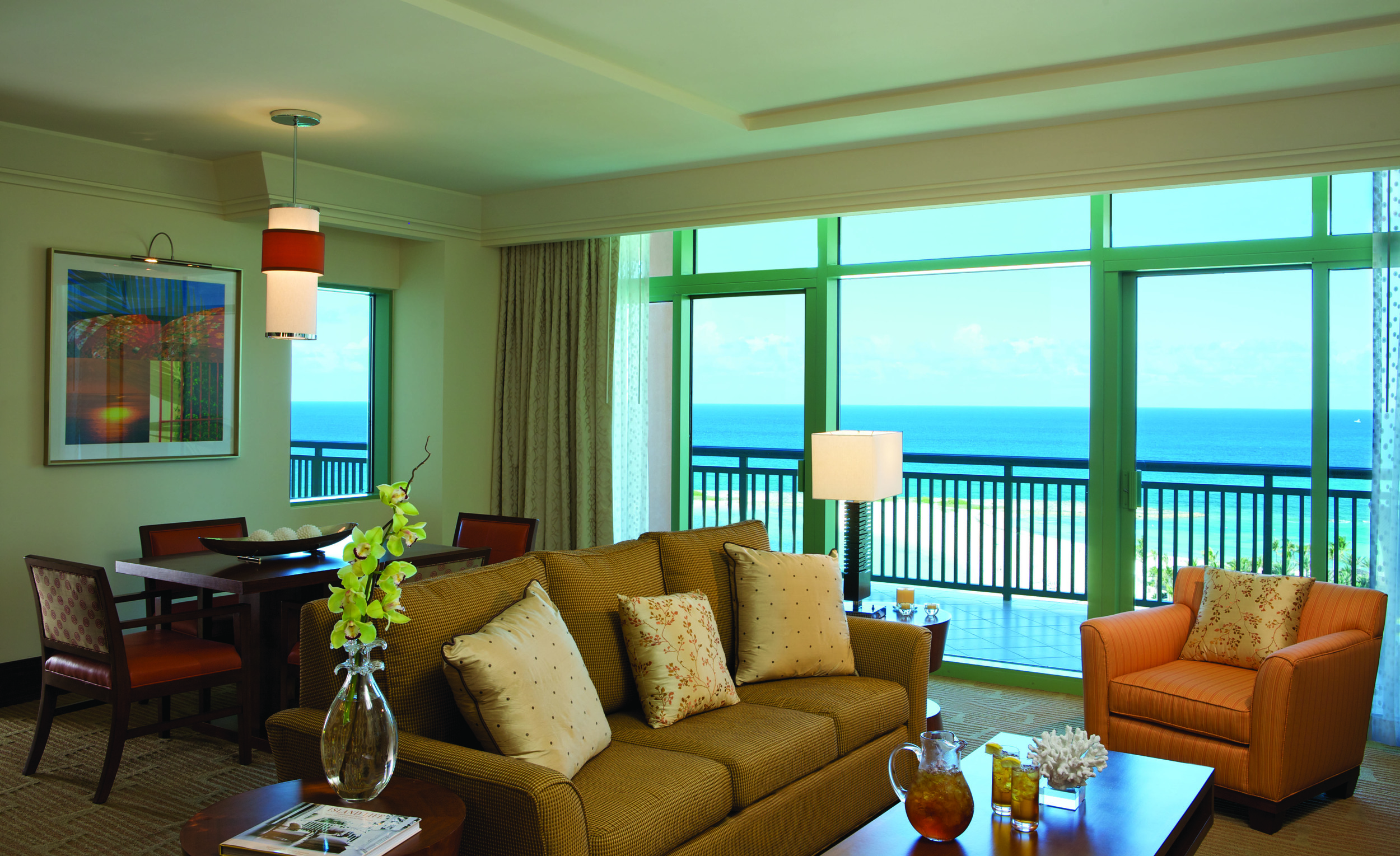 Topaz_Suite_-_Living_Room_1371_standard.jpg