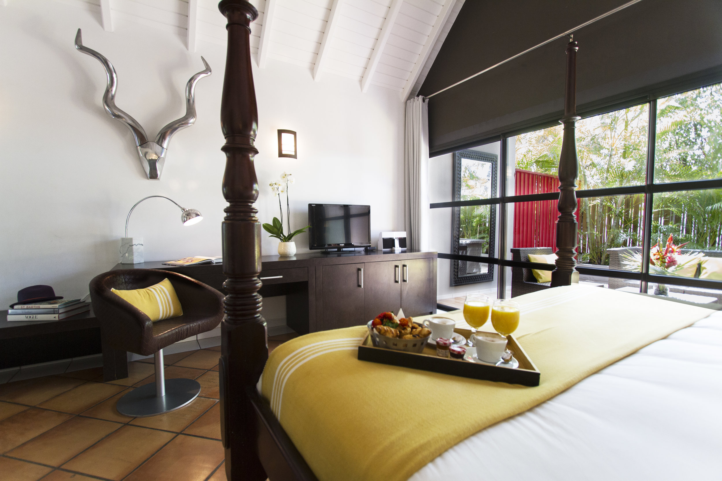 Hotel rooms - Superior Tropical garden view room 2.jpg