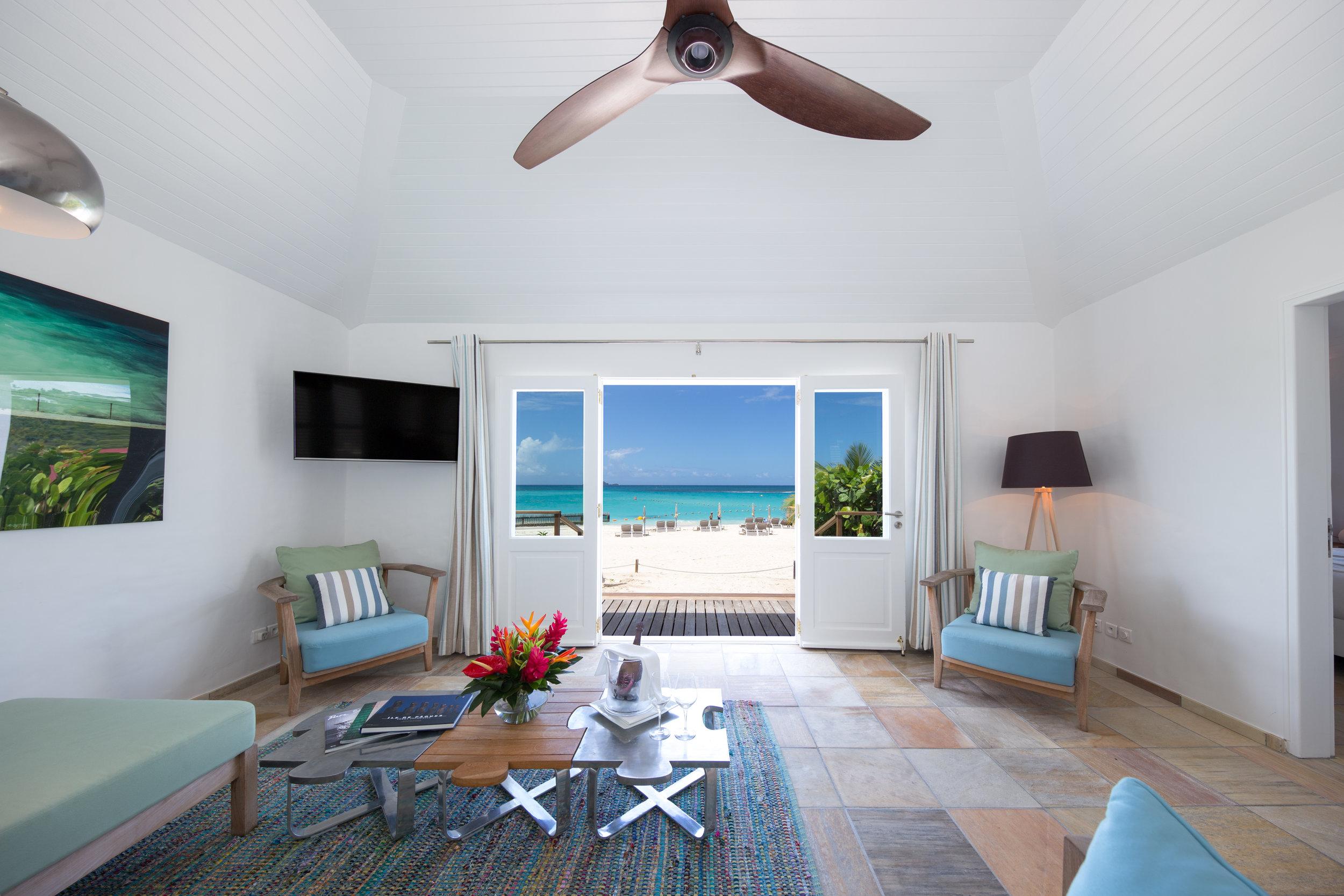 Hotel Rooms - Beach Front Suite 4.JPG