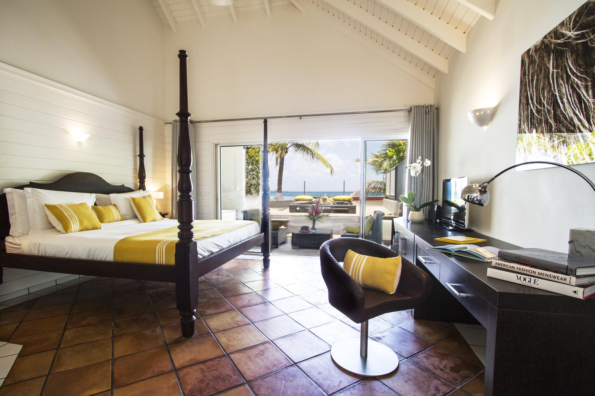 Hotel rooms - Deluxe Sea View Room 1.jpg