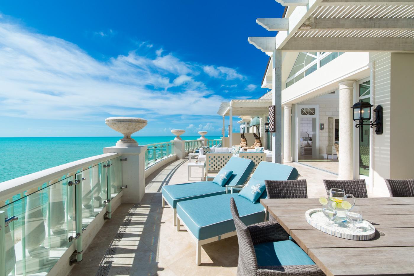15 SC Executive penthouse - Balcony.jpg