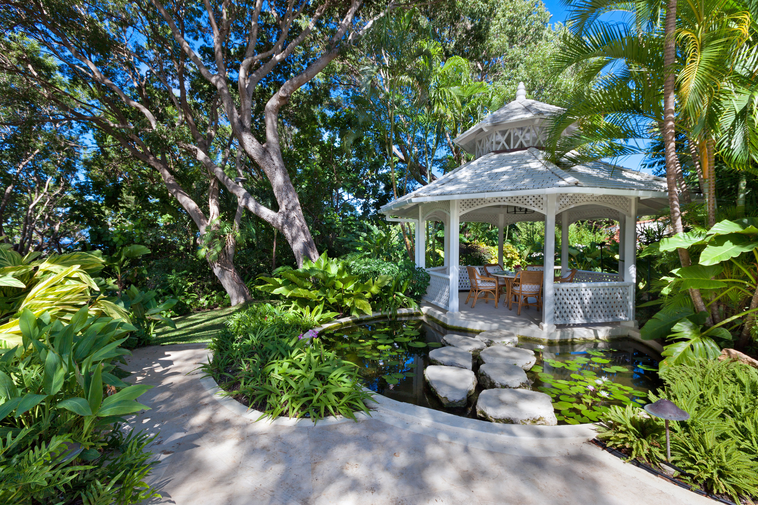 KLAIRAN SANDY LANE DEC-2015 GAZEBO EXTERIOR.jpg