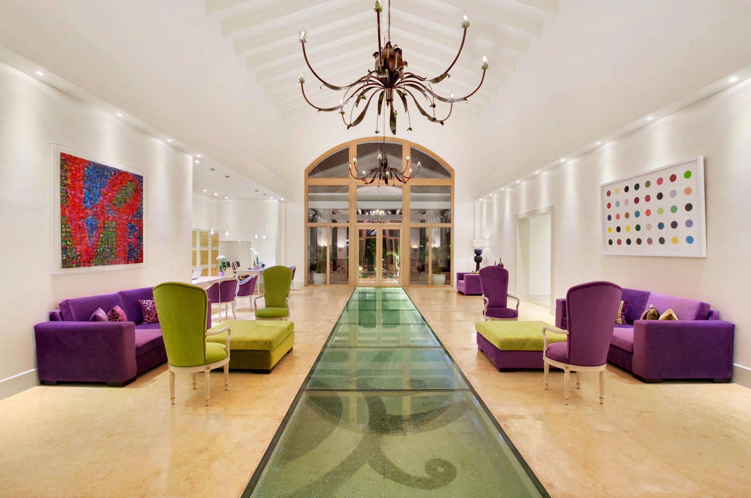 0000849125_Main Hotel Entrance.jpg