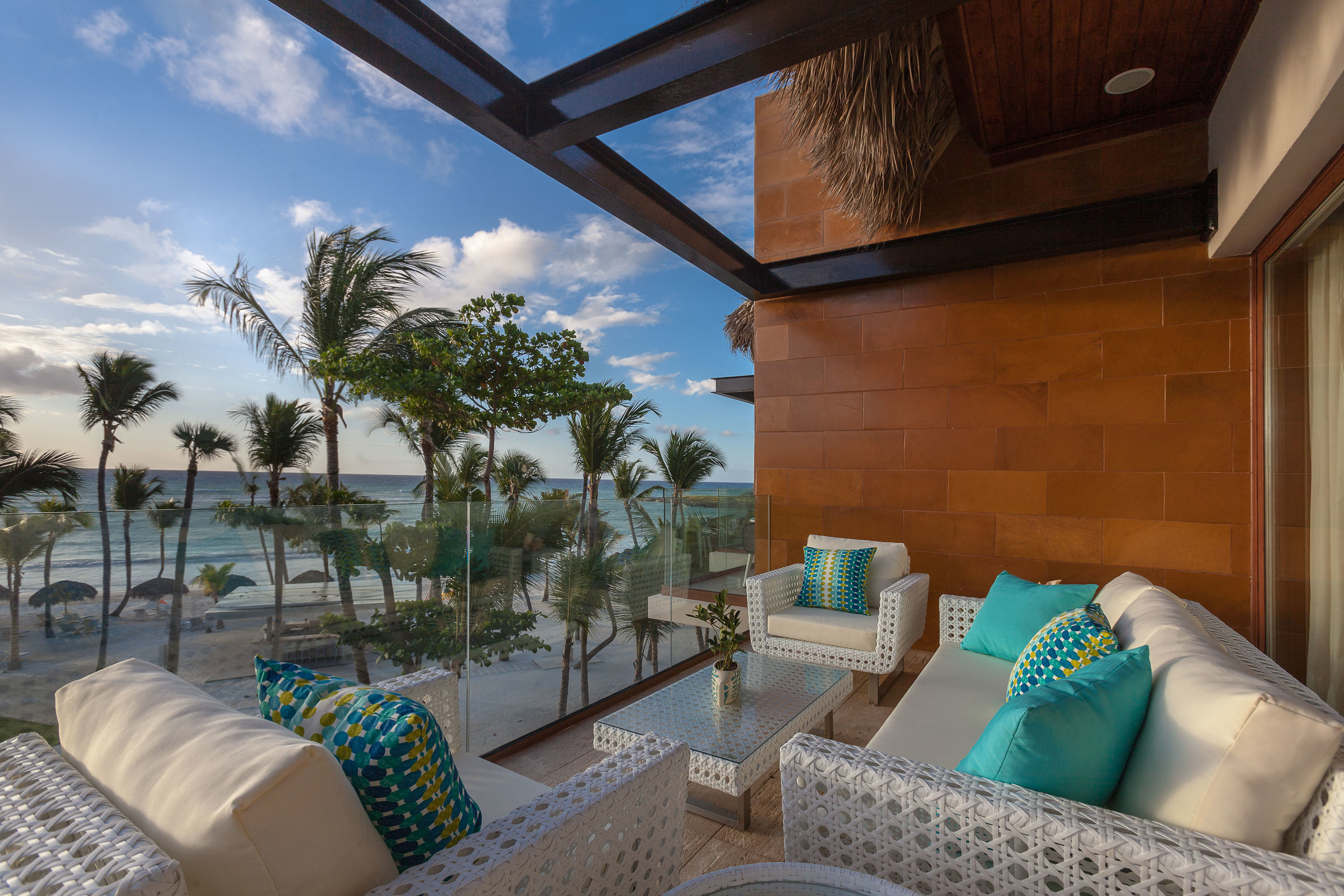 Beachfront Suite_Balcony_4103.jpg