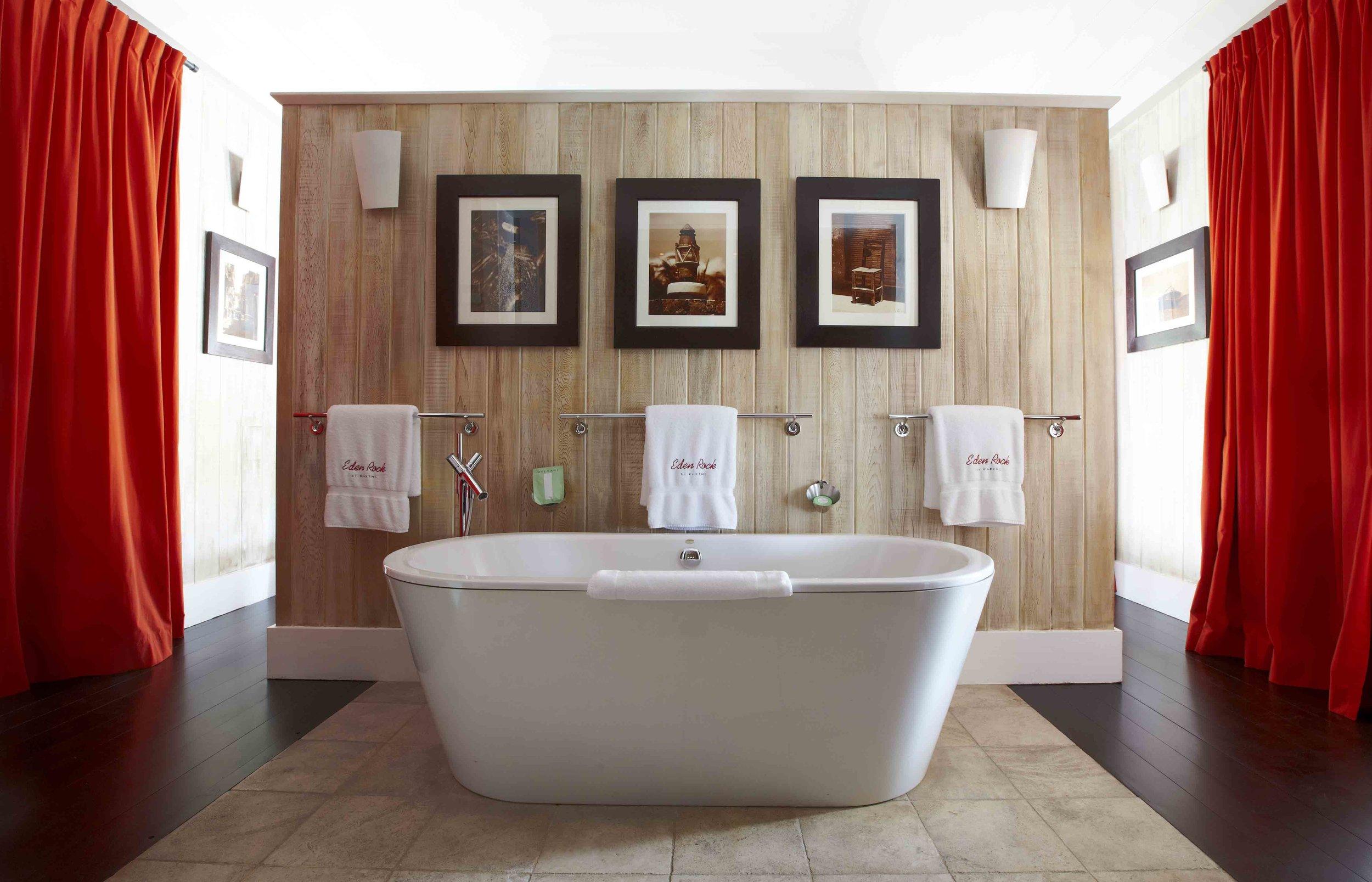 Bathroom_-_Michaels_Premium_Suite__8701.jpg
