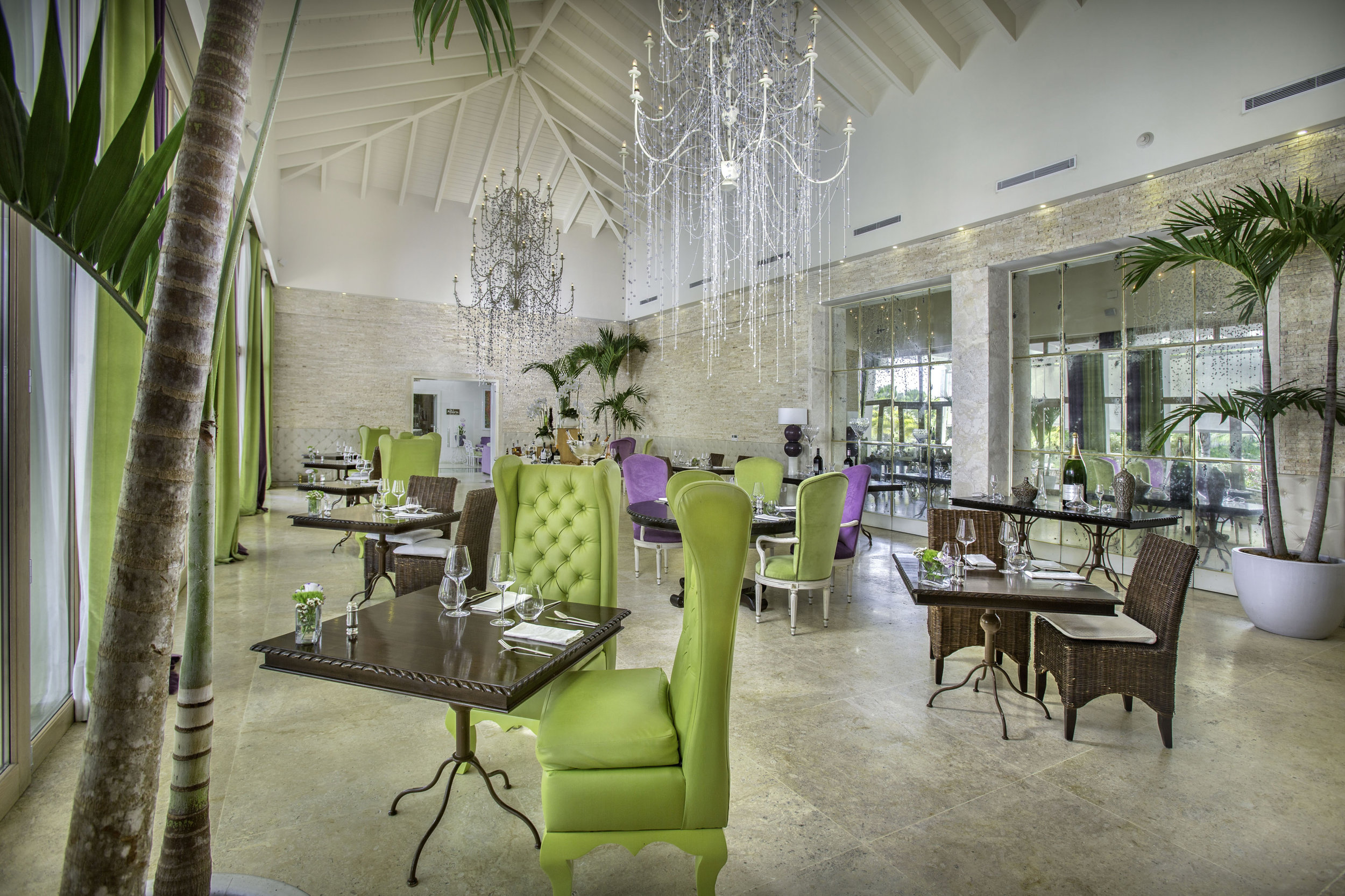 Mediterraneo Restaurant_Interior_1545.jpg