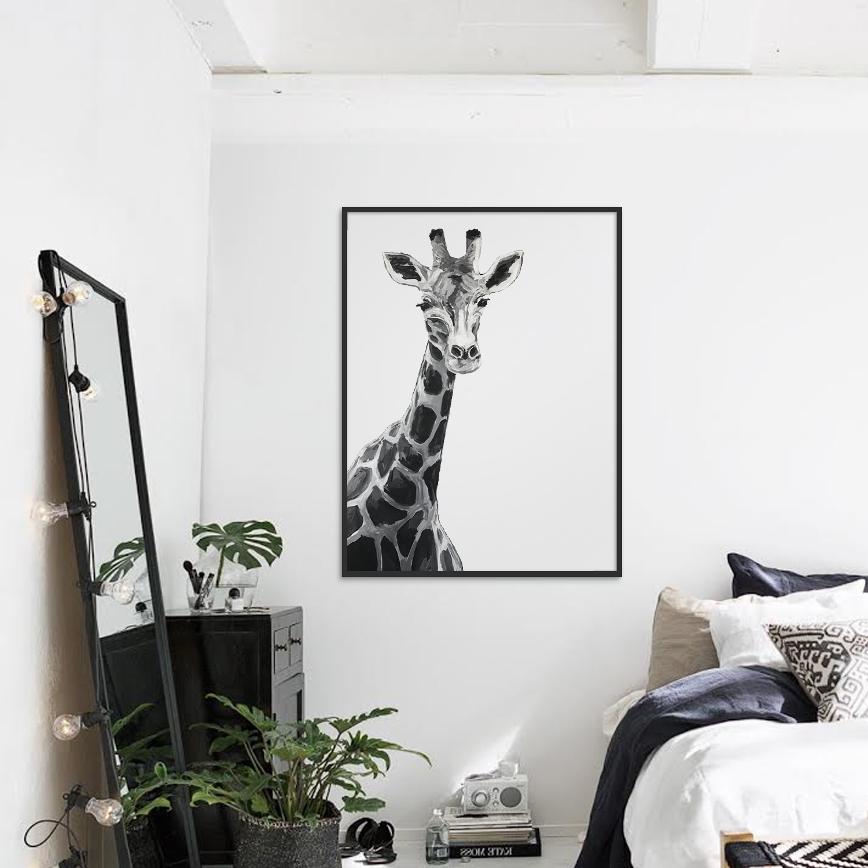 giraffe+in+a+room.jpg