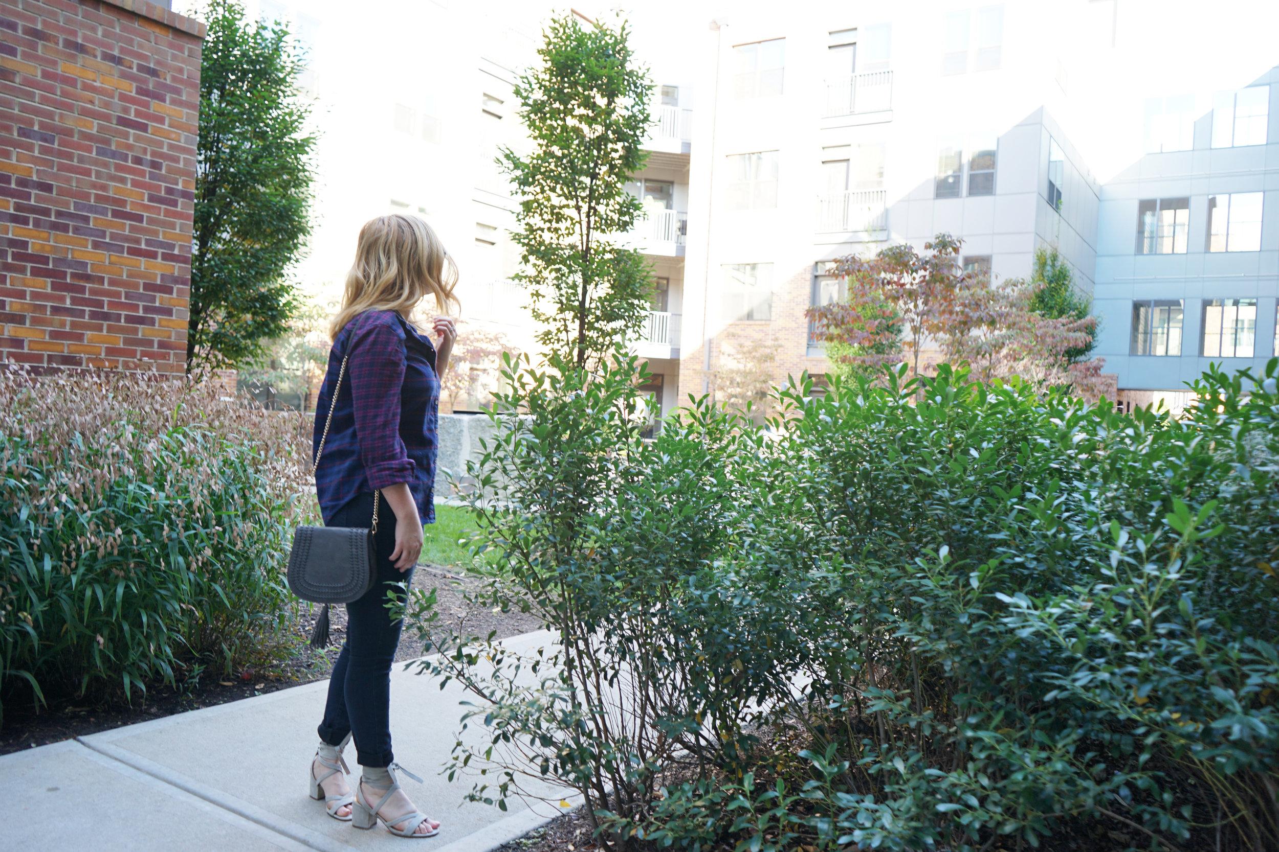 Maggie a la Mode - Dressing in Fall When it Doesn't Feel Like Fall 2.JPG