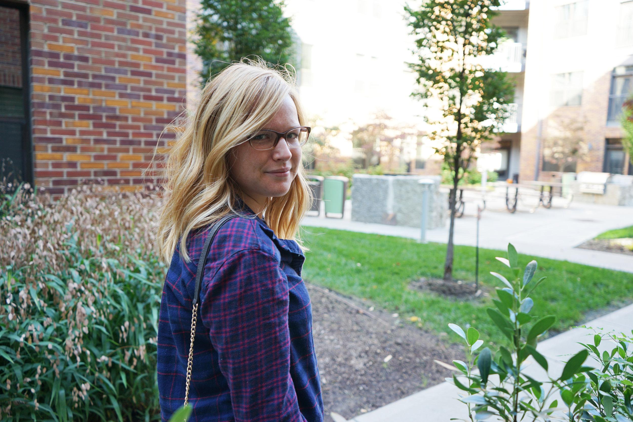 Maggie a la Mode - Dressing in Fall When it Doesn't Feel Like Fall 4.JPG