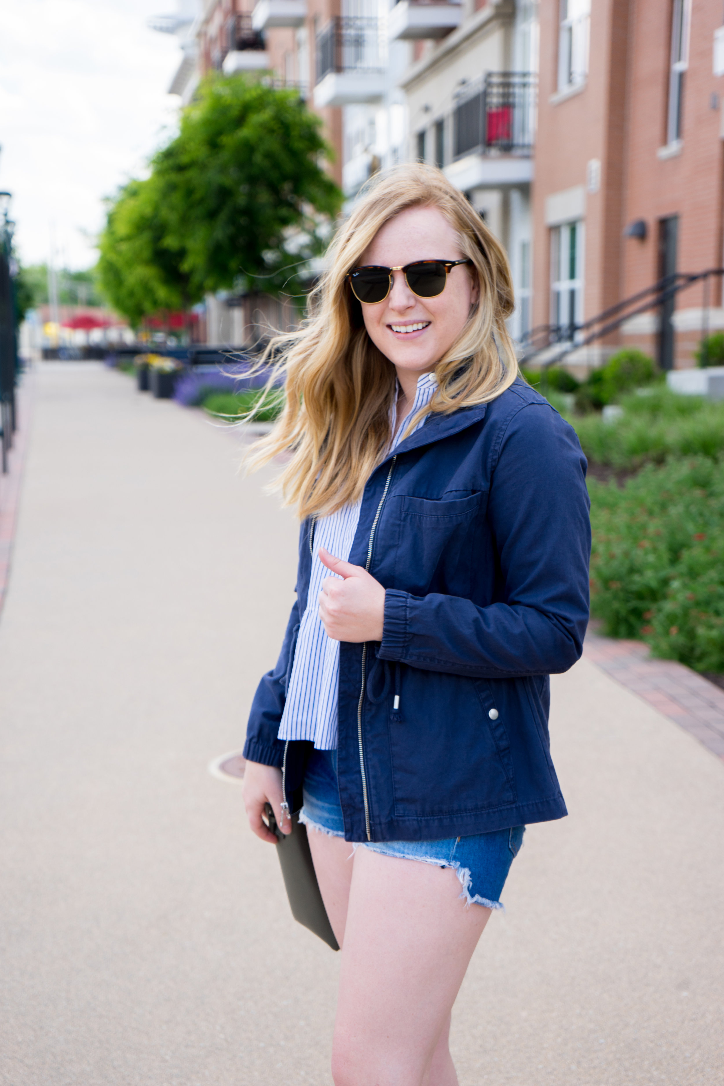 Maggie a la Mode - Old Navy Twill Field Jacket for Women, Madewell Lakeside Peplum Shirt Stripe, Rag & Bone/JEAN The Cutoff Denim Shorts Freeport, Vince Signature Baby Leather East-West Tote, Sam Edelmaln Gigi Sandals, Ray-Ban Classic Clubmaster