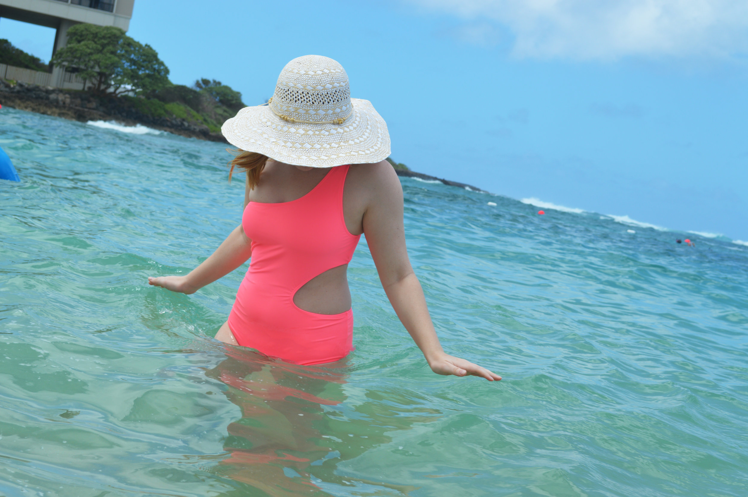 Maggie a la Mode - The Best One-Piece Swimsuits