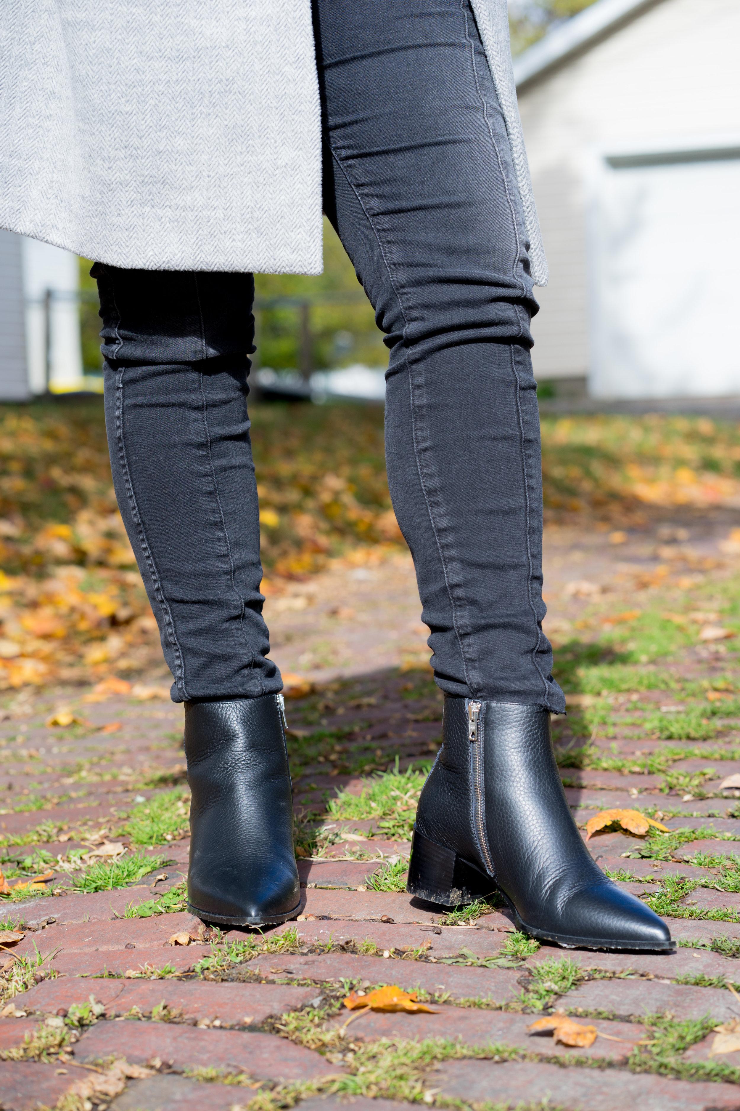 Maggie a la Mode - The Perfect Herringbone Coat Madewell Stanza Coat Everlane Boss Boot-5.jpg