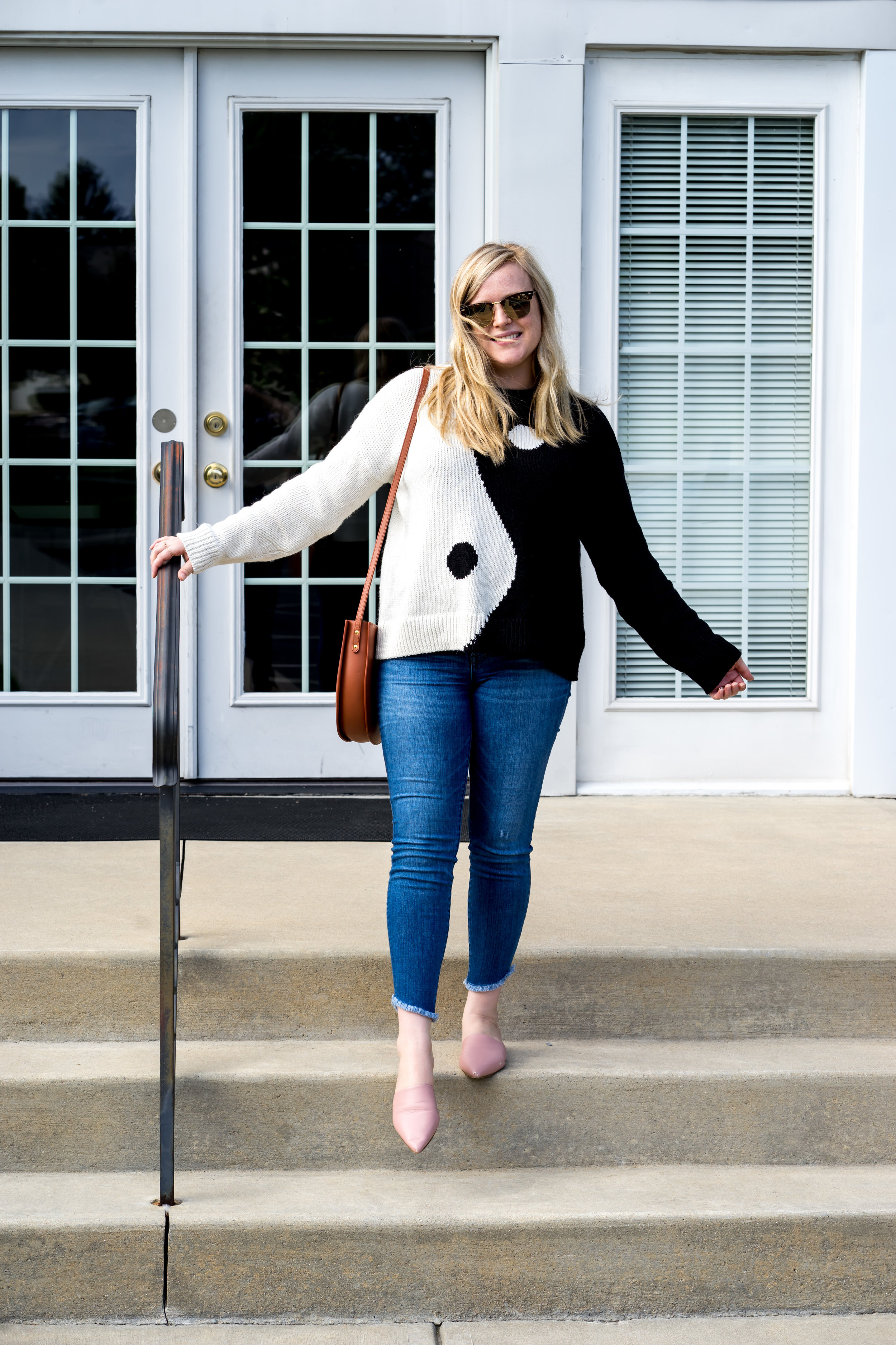 Maggie a la Mode - Madewell New Fall Arrivals 2018 Yin and Yang Sweater, Madewell Tulip-Hem Edition High-Rise Skinny Jeans, The Stowe Eloise Bag, Everlane The Pointed Slide