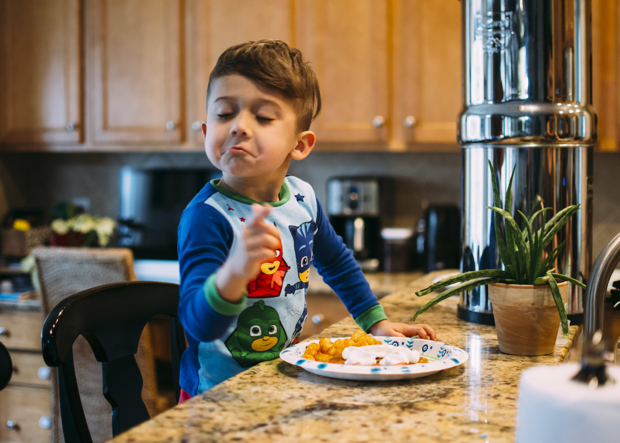 fort mill, sc family photographer  confetti pancakes, breakfast  silly kid