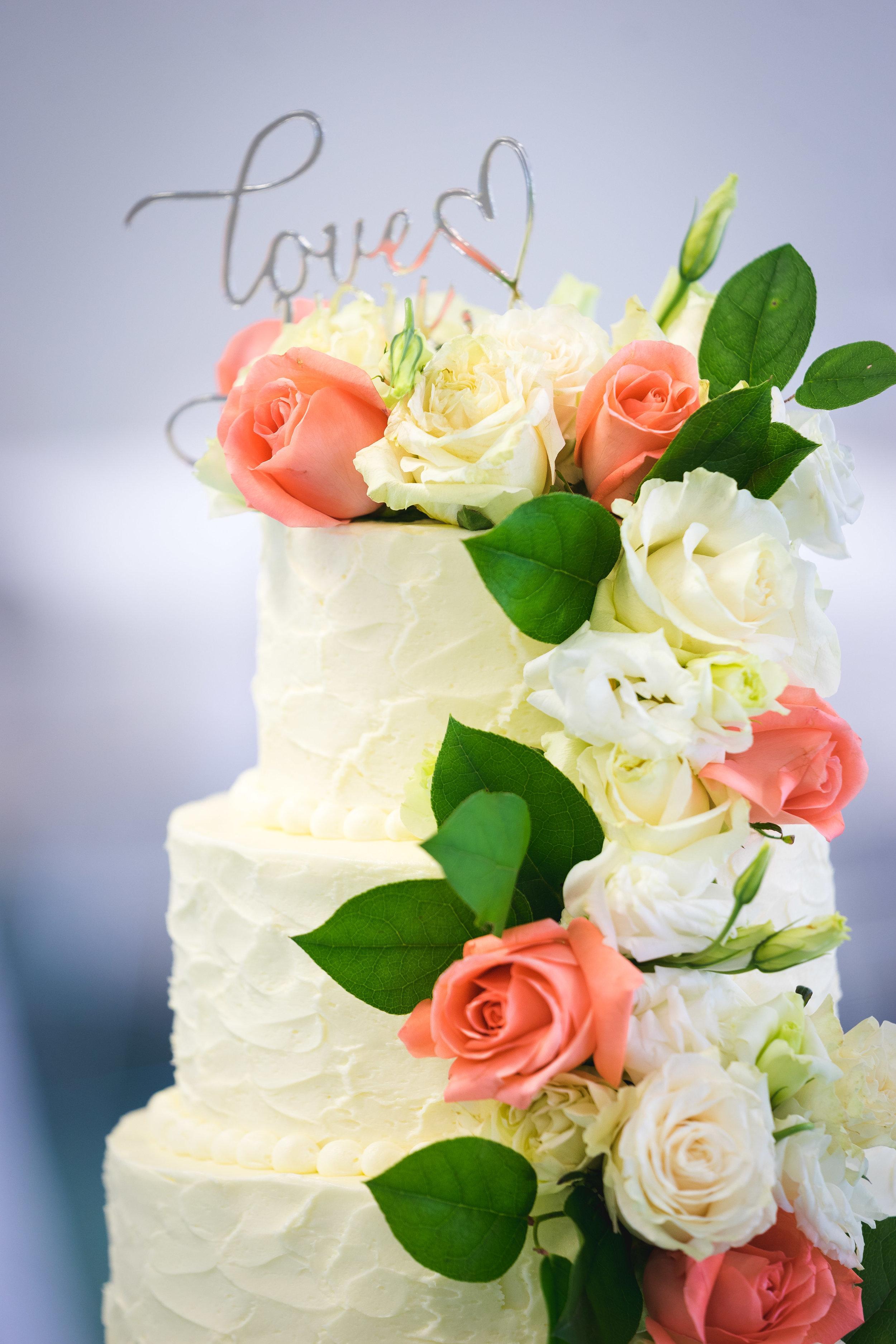 Greenville Wedding | Morningside Baptist Church Spartanburg SC Cake