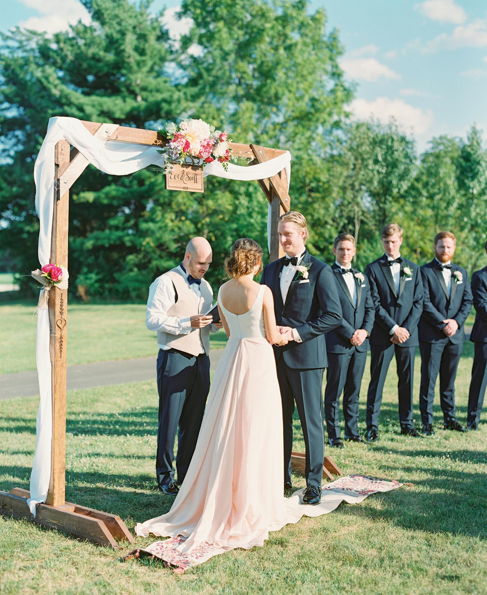 groom little turtle club outdoor ceremony in columbus ohio