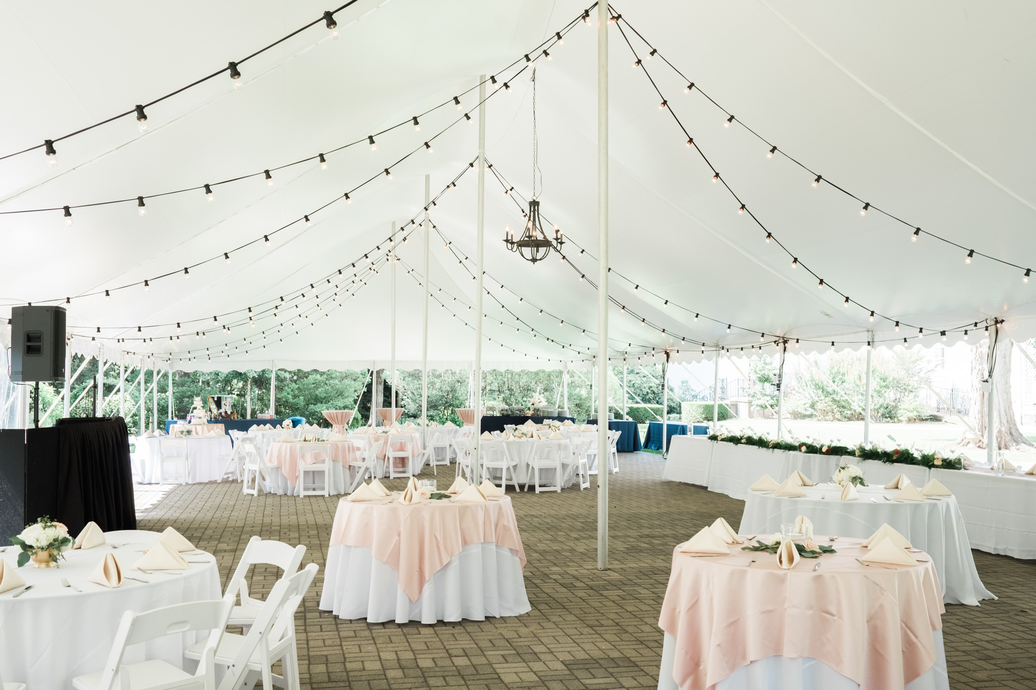Louisville wedding venue, Whitehall House & Gardens outdoor reception area with tent