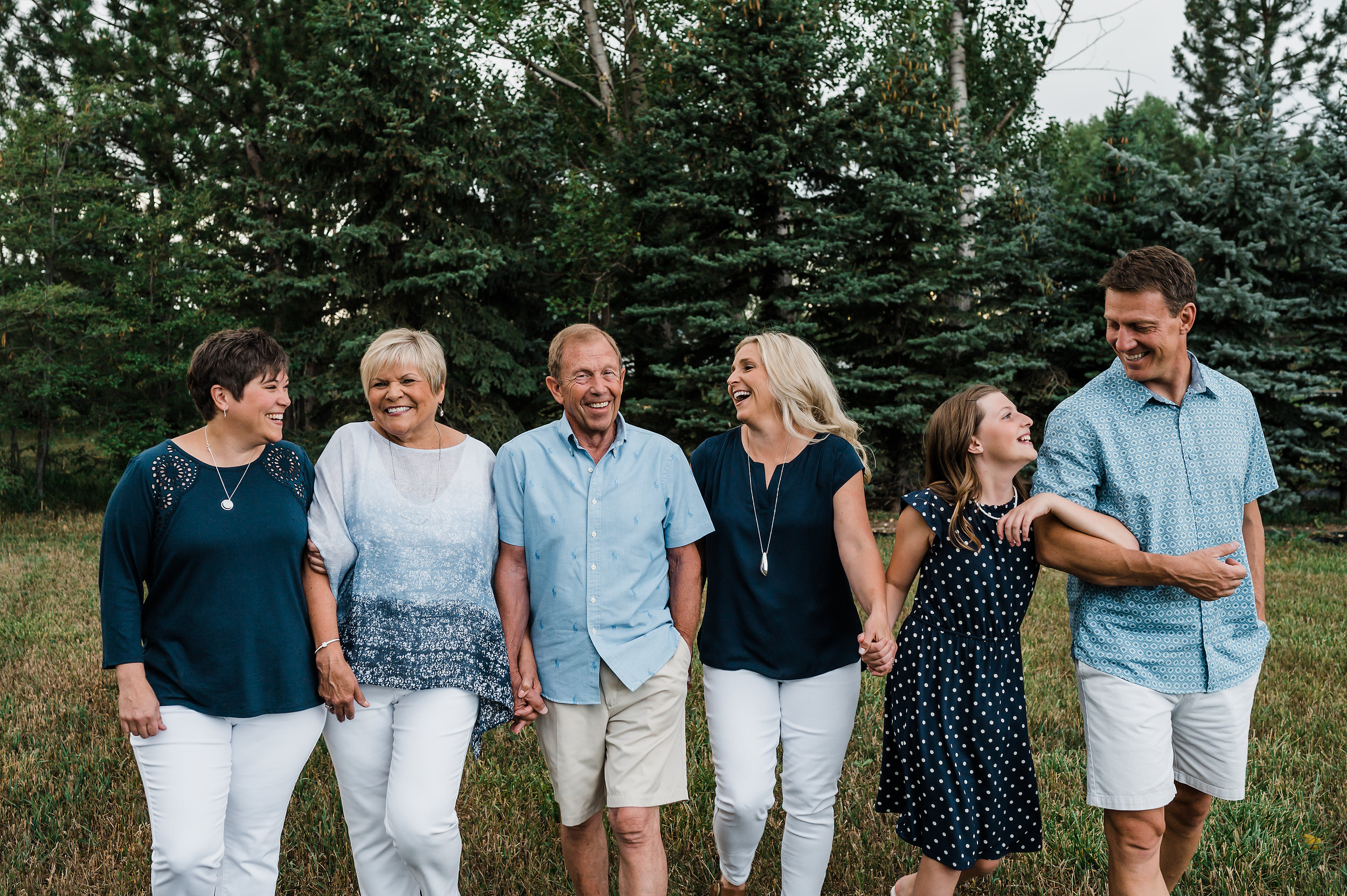 How to coordinate colors for family photos