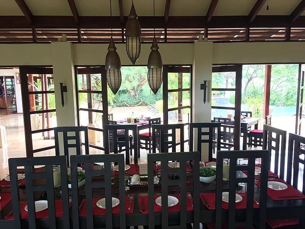 13 - diningroom2.jpg