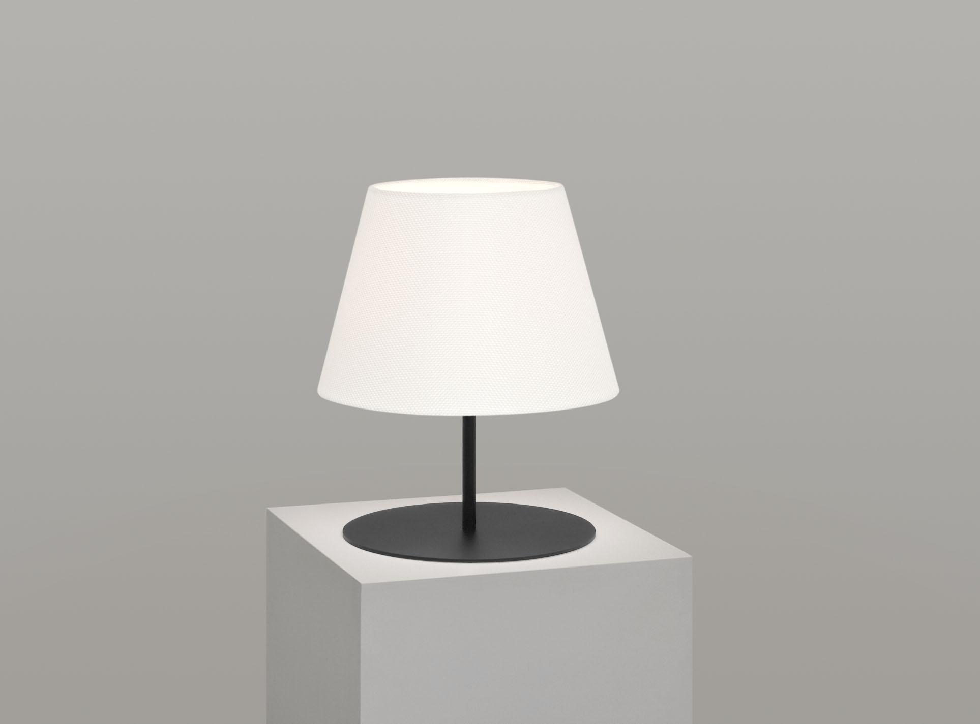 pegasus_lamp_black_base_ivory.jpg
