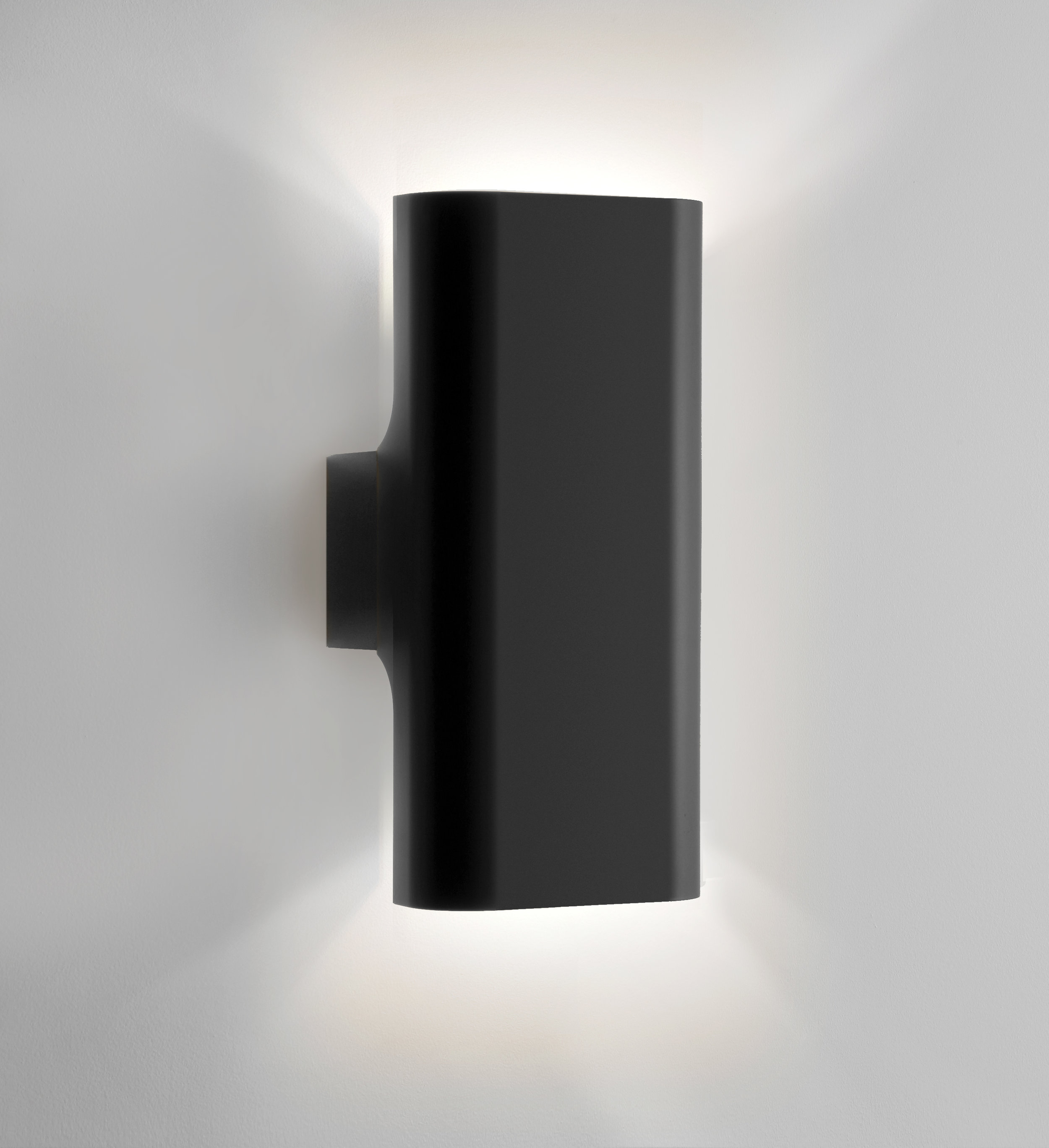 I Do... IP65 small wall up down in black