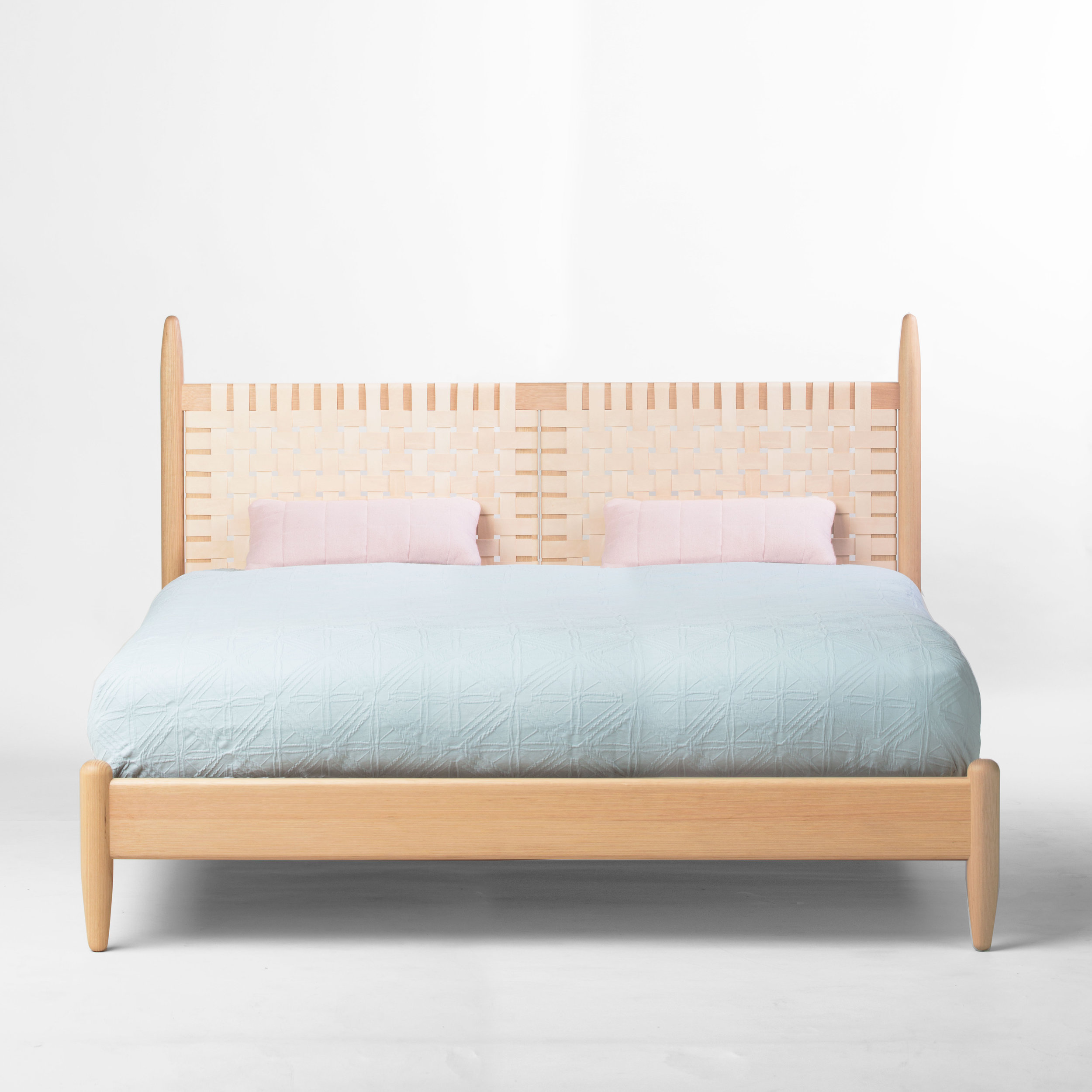 Beeline Design -  Cuba Bed