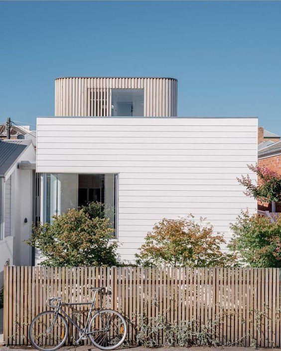 WHITE & NATURAL TIMBER -  Via Topolgy Studio