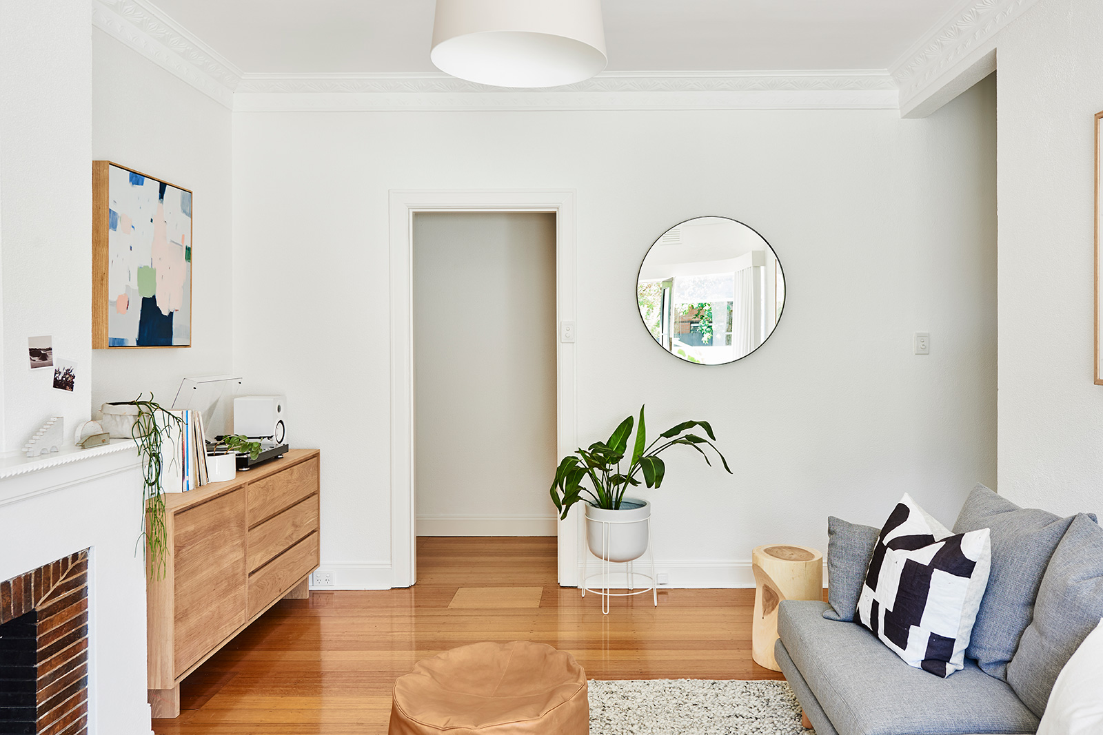 Hunting-for-George-Armadale-Apartment-Lucy-Glade-Wright-09-low-res.jpg